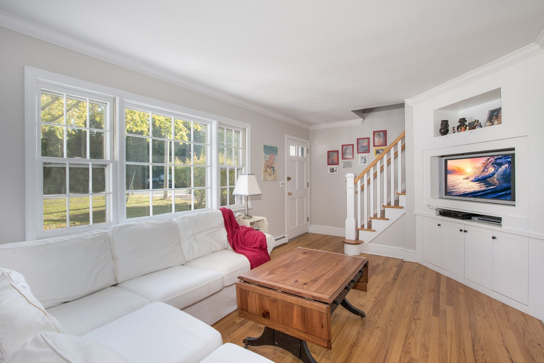 Single Family Home for Sale at 15725 Soundview Ave , Southold, NY 11971 15725 Soundview Ave Southold, New York 11971 United States