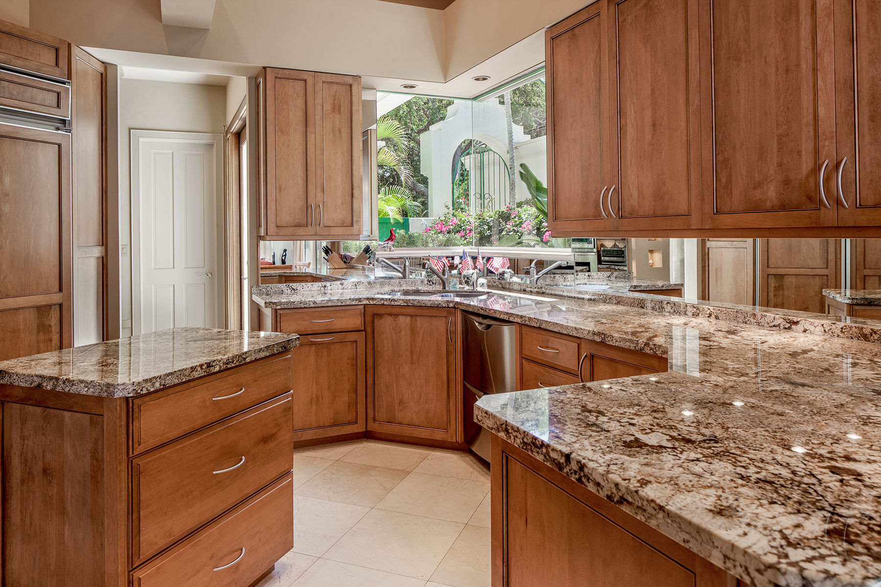 Additional photo for property listing at PELICAN BAY - VIZCAYA AT BAY COLONY 7855  Vizcaya Way,  Naples, Florida 34108 United States