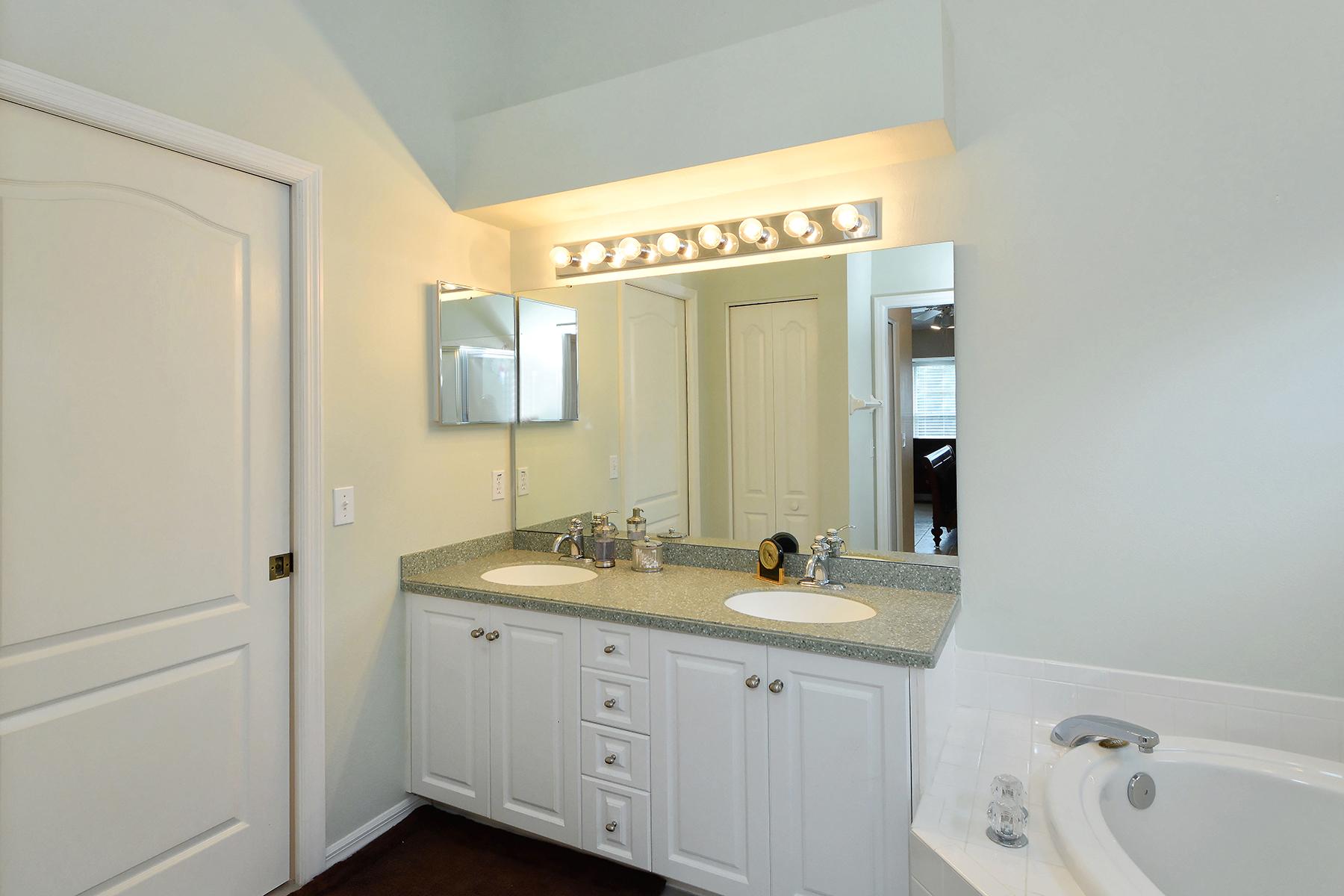 Additional photo for property listing at SARASOTA 9611  Castle Point Dr 921,  Sarasota, Florida 34238 United States