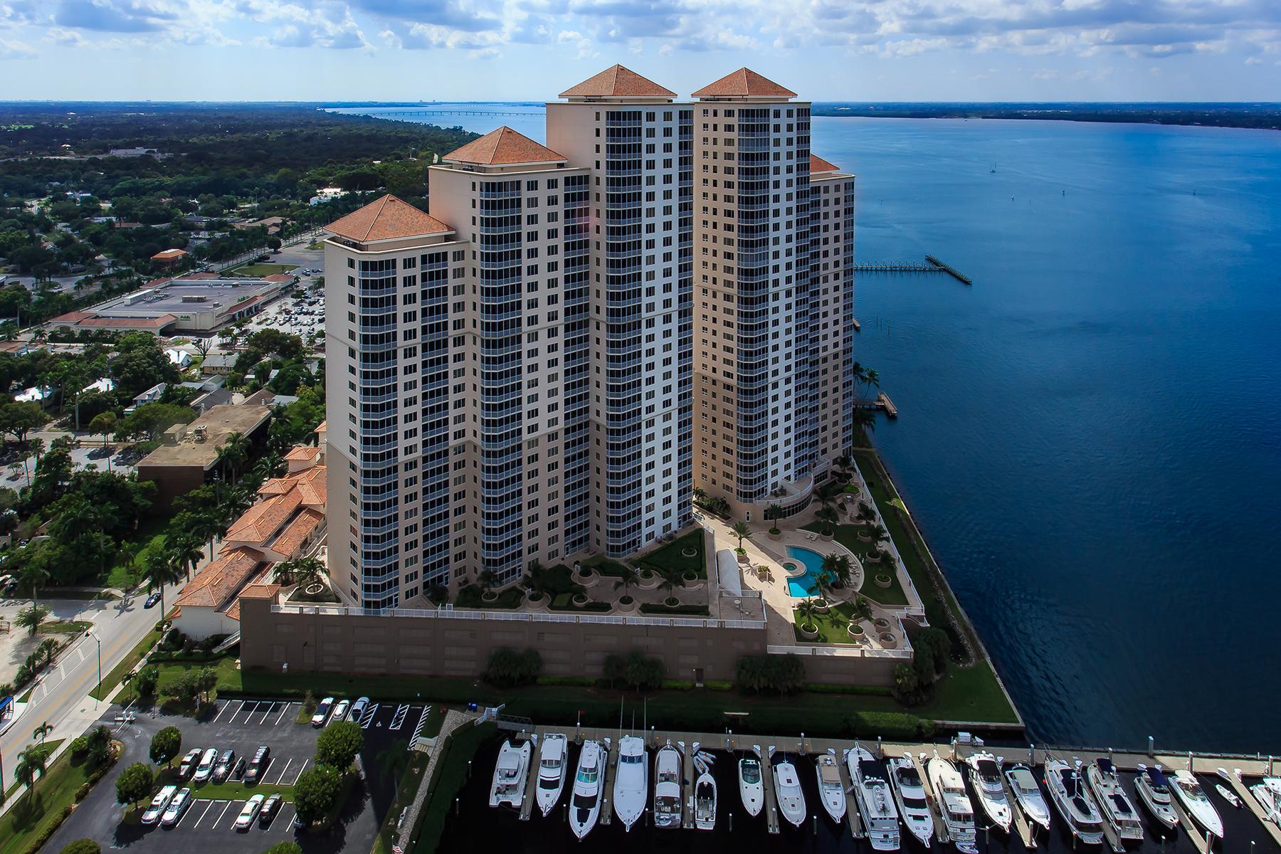 Condominio por un Venta en FORT MYERS 2090 W 1st St F906 Fort Myers, Florida, 33901 Estados Unidos