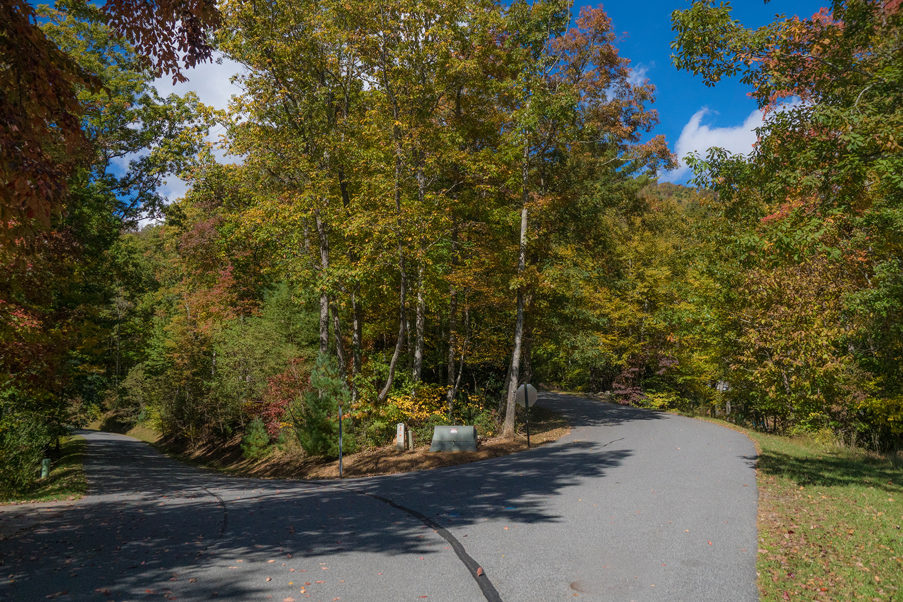 Additional photo for property listing at BOONE - COUNCILL OAKS Lot 13  Honeysuckle Ln,  Boone, North Carolina 28607 United States