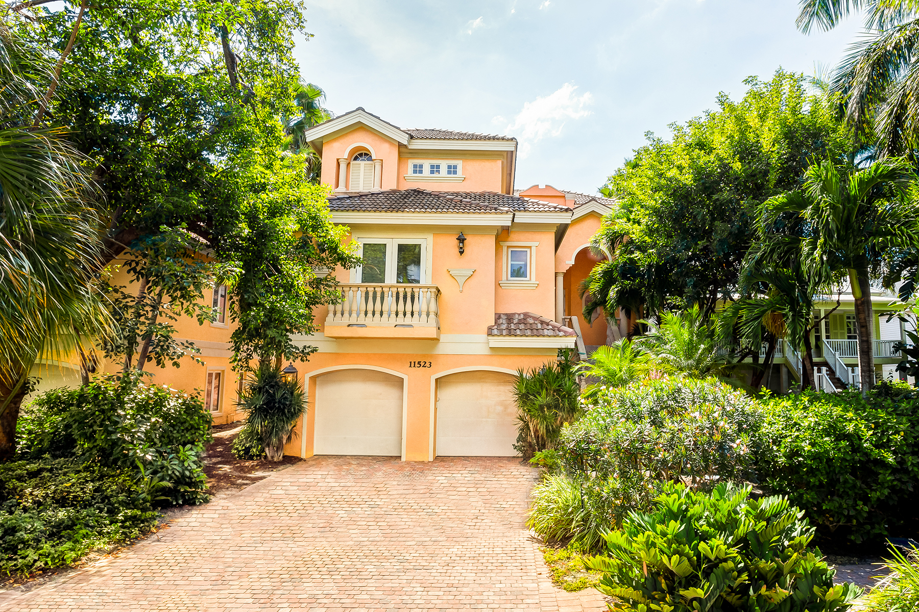 Single Family Home for Sale at CAPTIVA 11523 Andy Rosse Ln Captiva, Florida 33924 United States