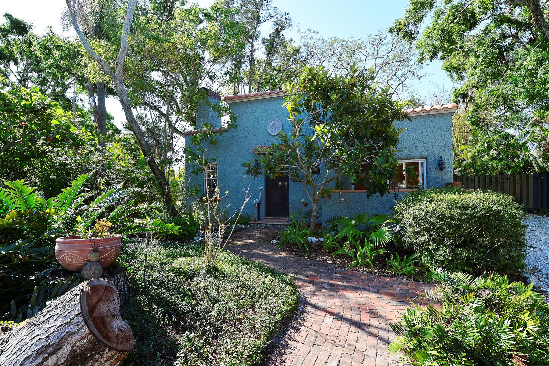 Single Family Home for Sale at HISTORIC LAUREL PARK 1646 Oak St, Sarasota, Florida 34236 United States