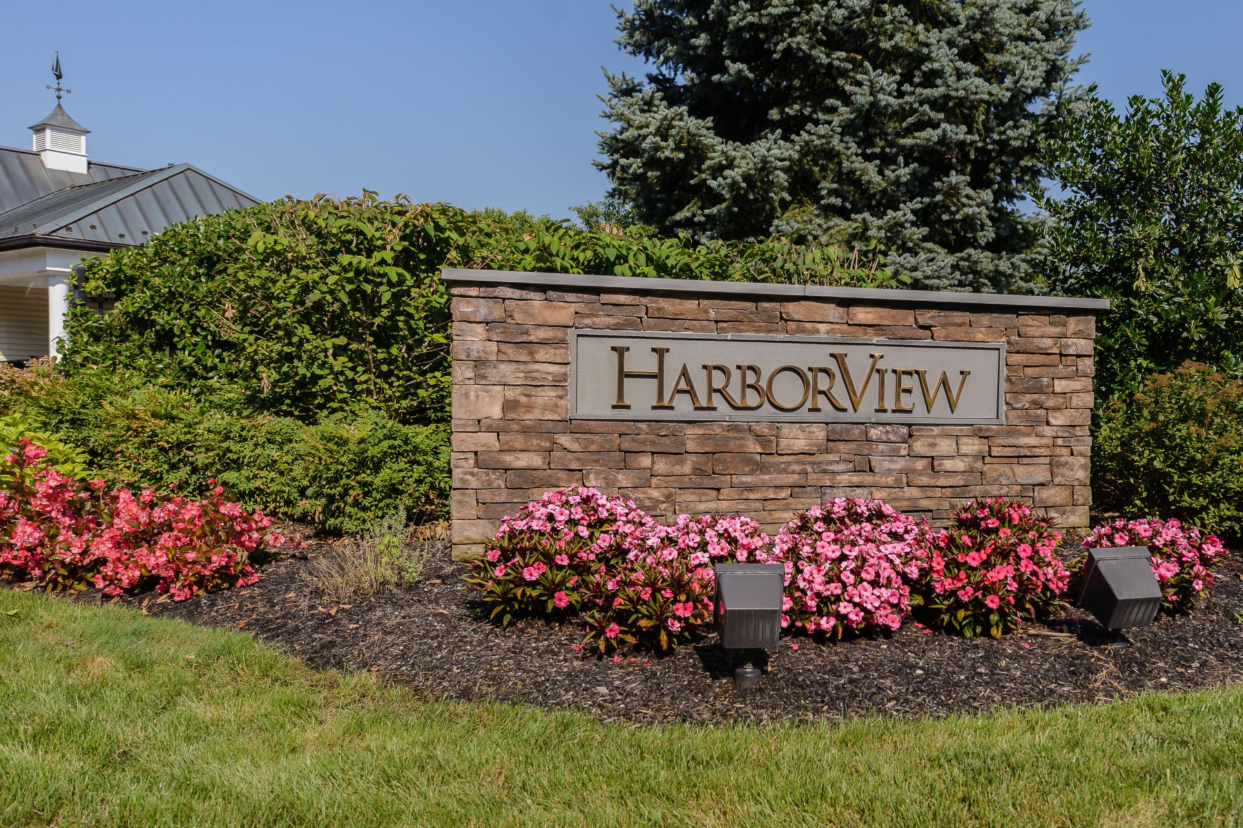 Condominium for Sale at 189 Harbor View Dr , Port Washington, NY 11050 189 Harbor View Dr Port Washington, New York 11050 United States