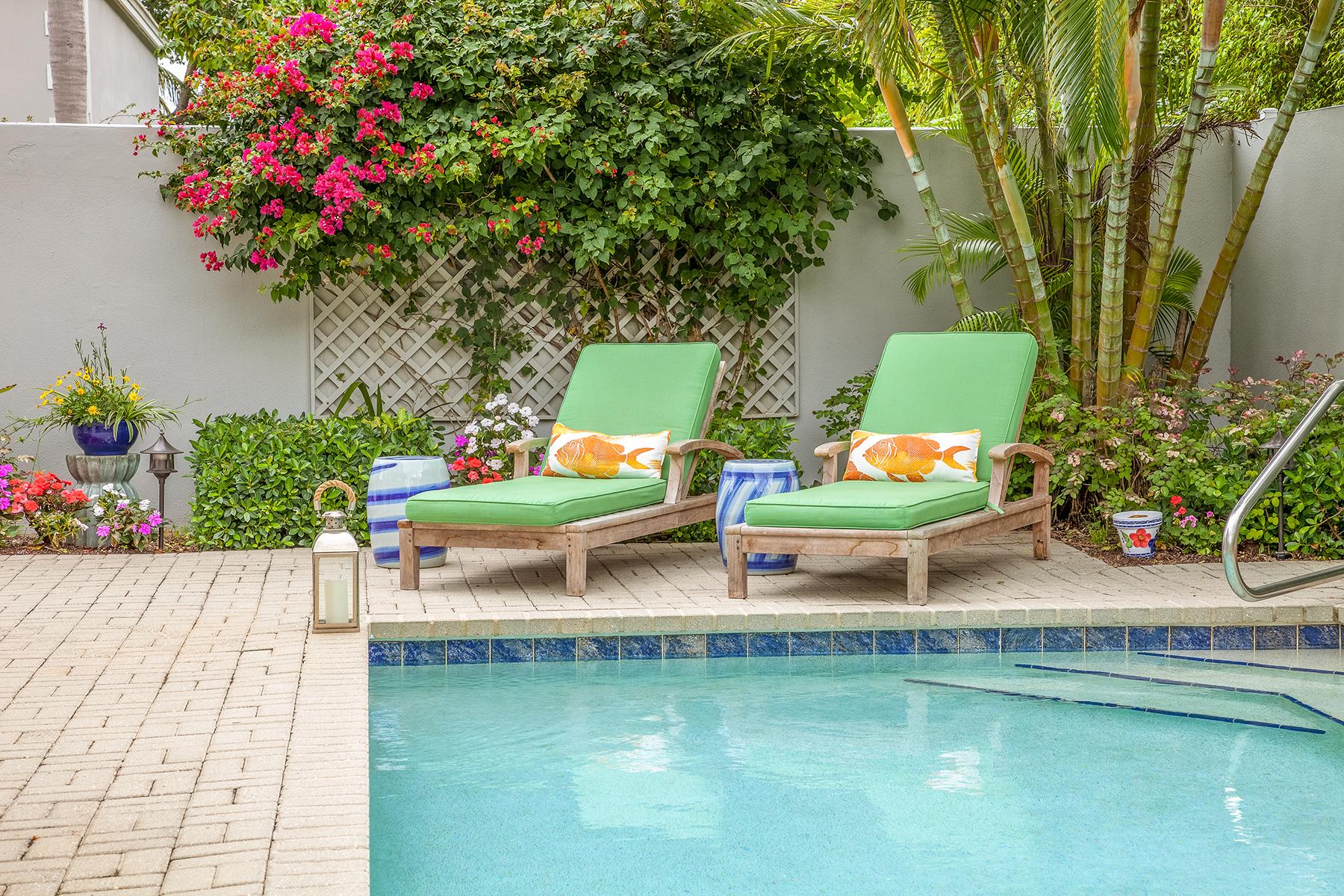 Maison accolée pour l Vente à Villa Lantana 7072 Villa Lantana Way, Naples, Florida 34108 États-Unis