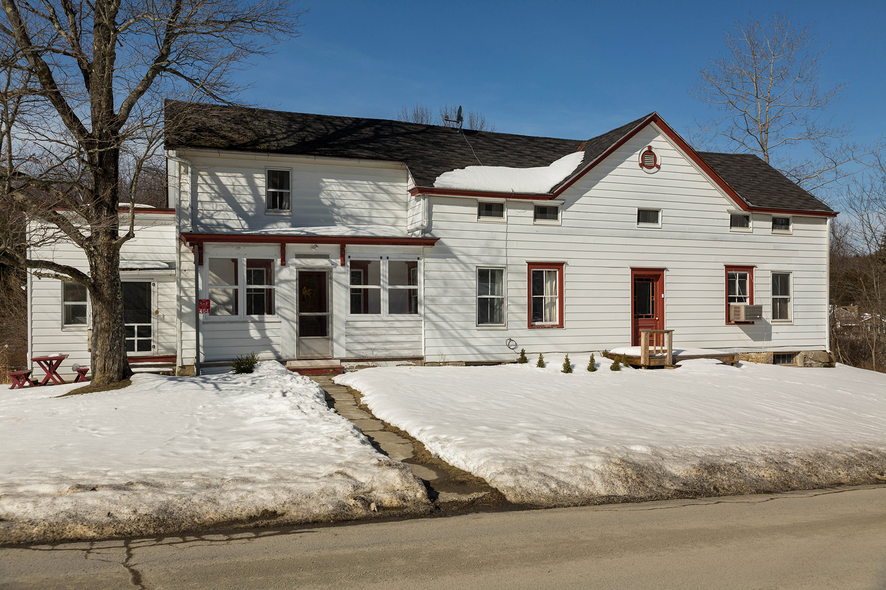 Maison unifamiliale pour l Vente à Enchanting Country Farmhouse 404 Dranbauer Elizaville, New York 12523 États-Unis
