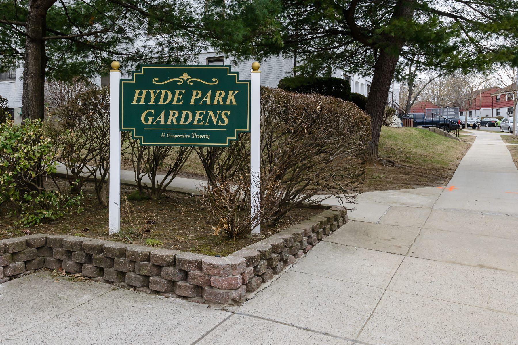 合作公寓 为 销售 在 69-27 136 St , Kew Garden Hills, NY 11367 69-27 136 St A Flushing, 纽约州 11367 美国