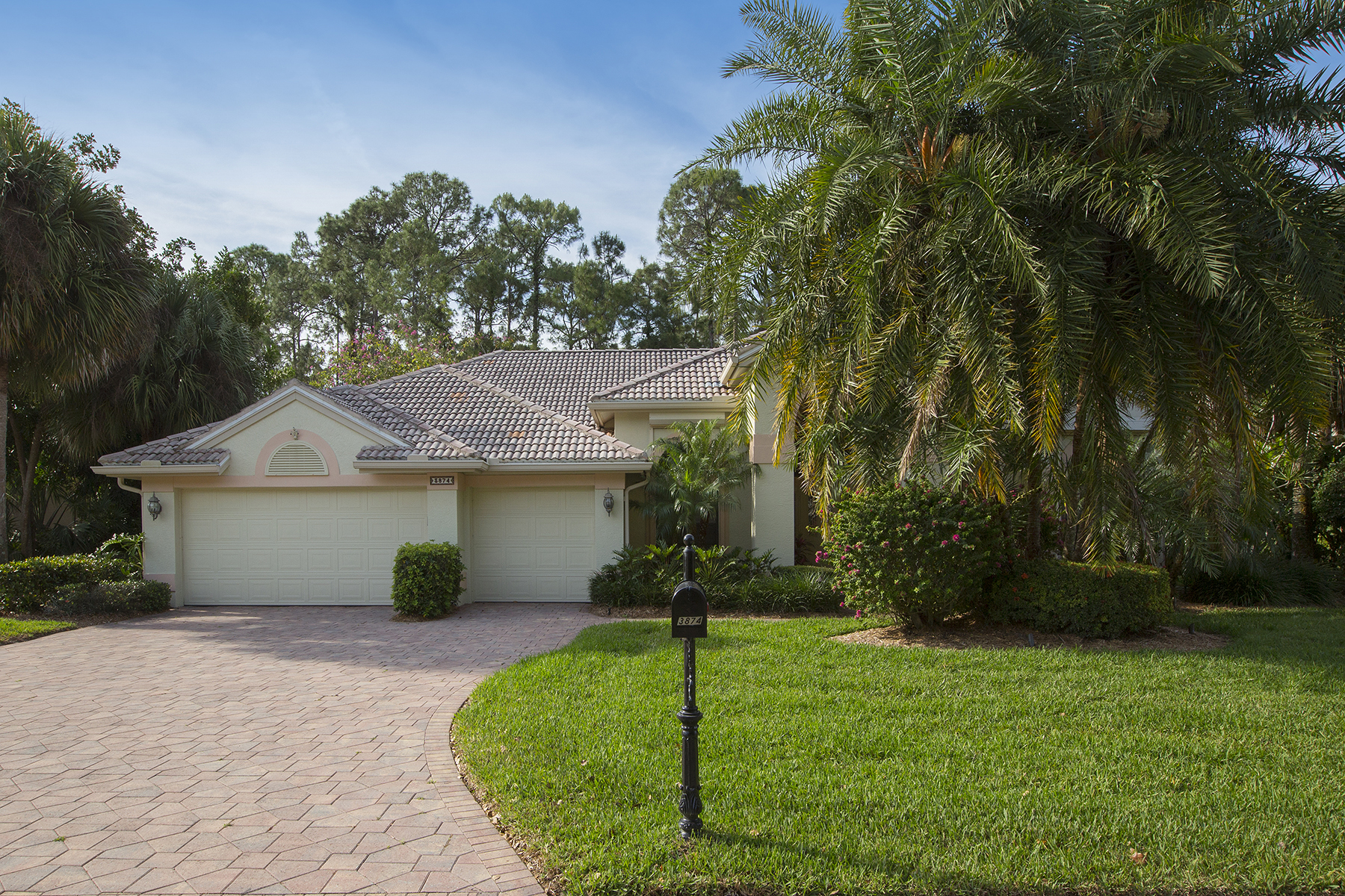 Single Family Home for Sale at Naples 3874 Midshore Dr Naples, Florida, 34109 United States