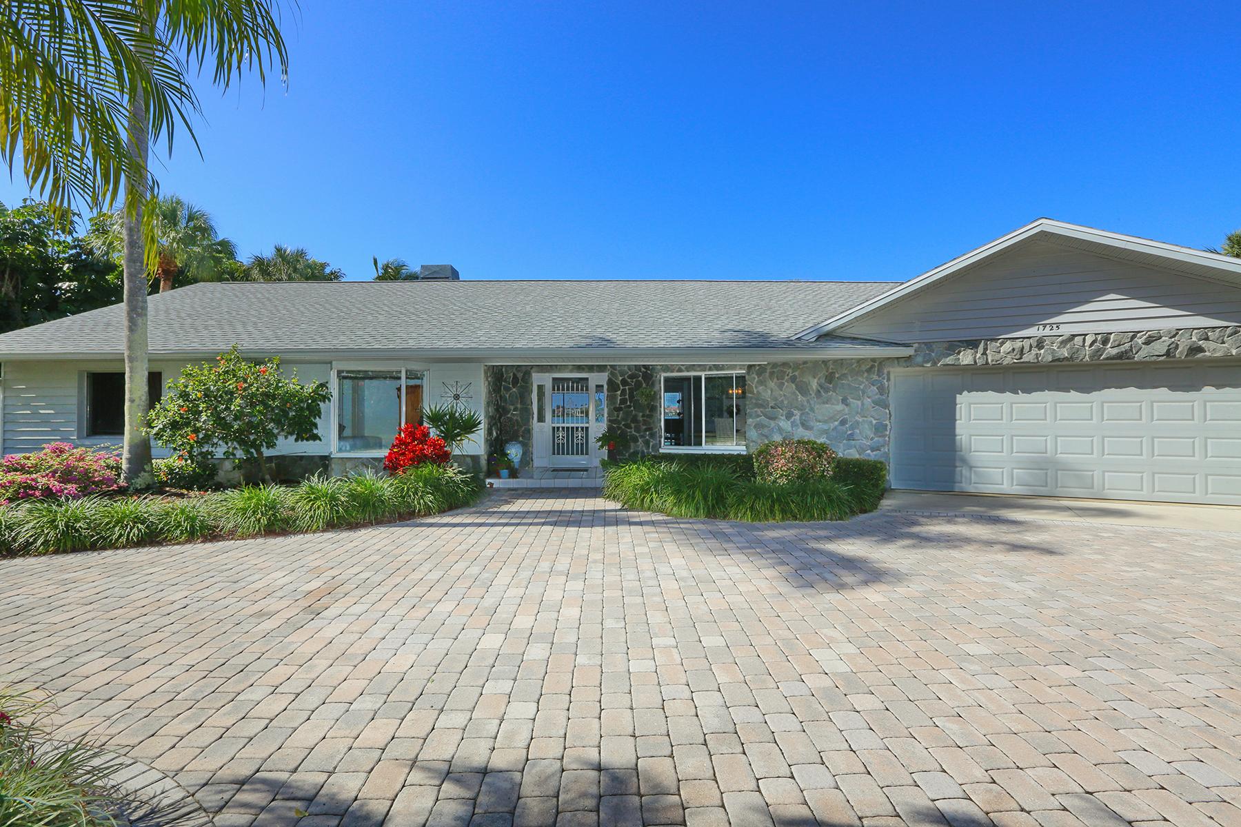 Casa para uma família para Venda às NOKOMIS 1725 Melody Ln Nokomis, Florida, 34275 Estados Unidos