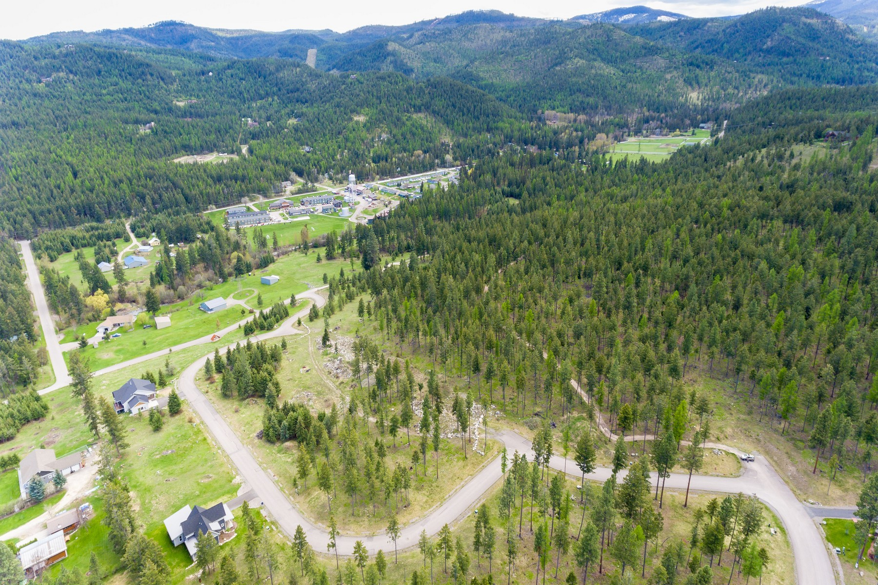 Additional photo for property listing at 101 Crystal View Ct , Lakeside, MT 59922 101  Crystal View Ct Lakeside, Montana 59922 United States