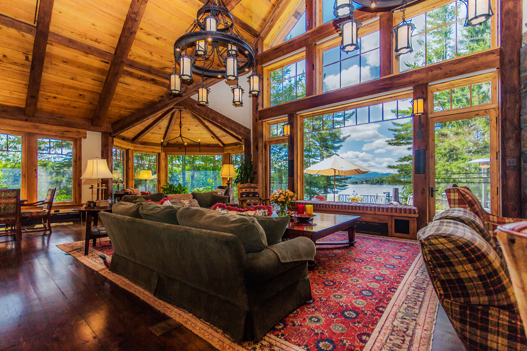 Additional photo for property listing at Most Magnificent Home Available in Lake Placid 134  Mirror Lake Dr Dr Lake Placid, Nueva York 12946 Estados Unidos