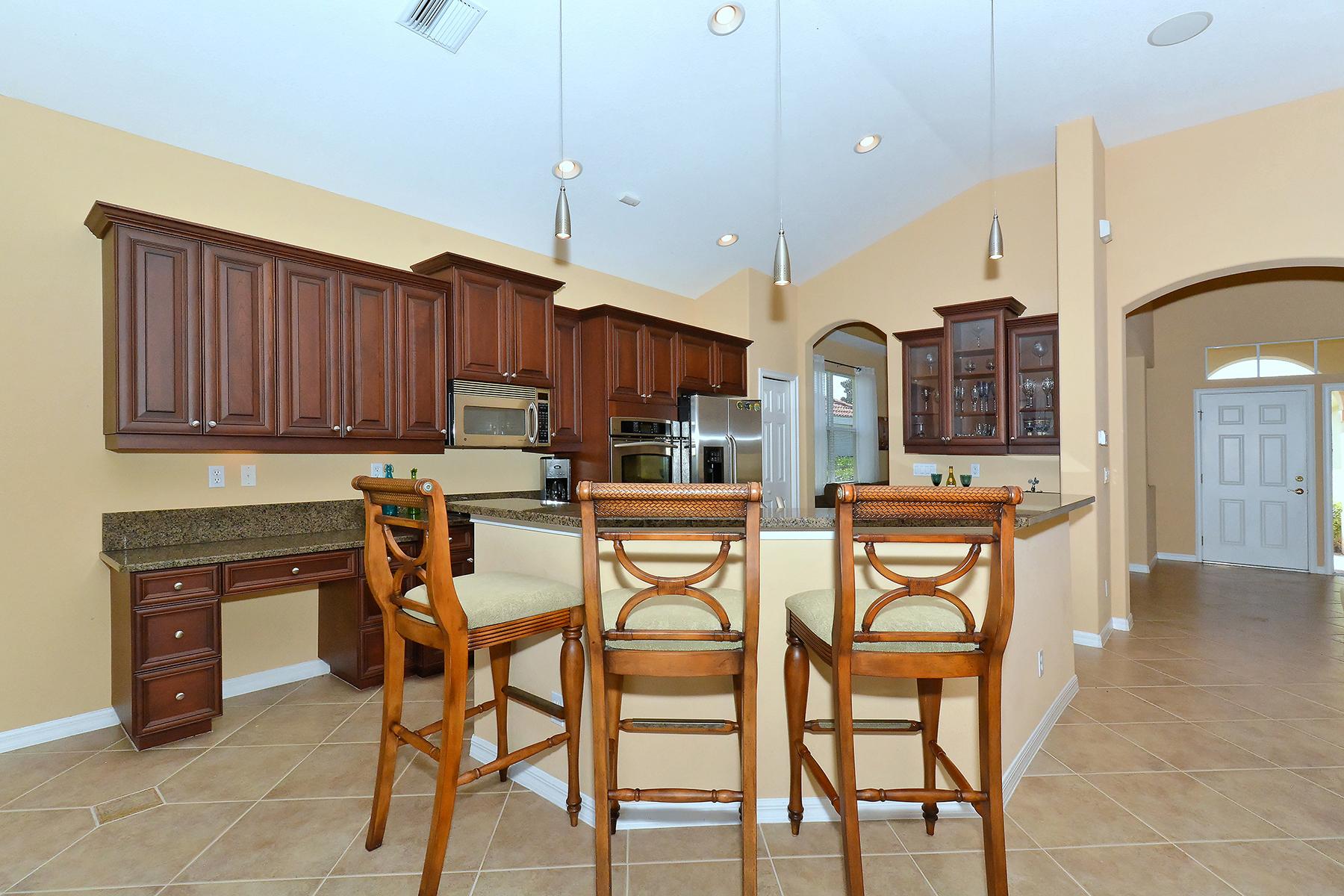 Casa para uma família para Venda às VENETIAN GOLF & RIVER CLUB 158 Treviso Ct North Venice, Florida, 34275 Estados Unidos