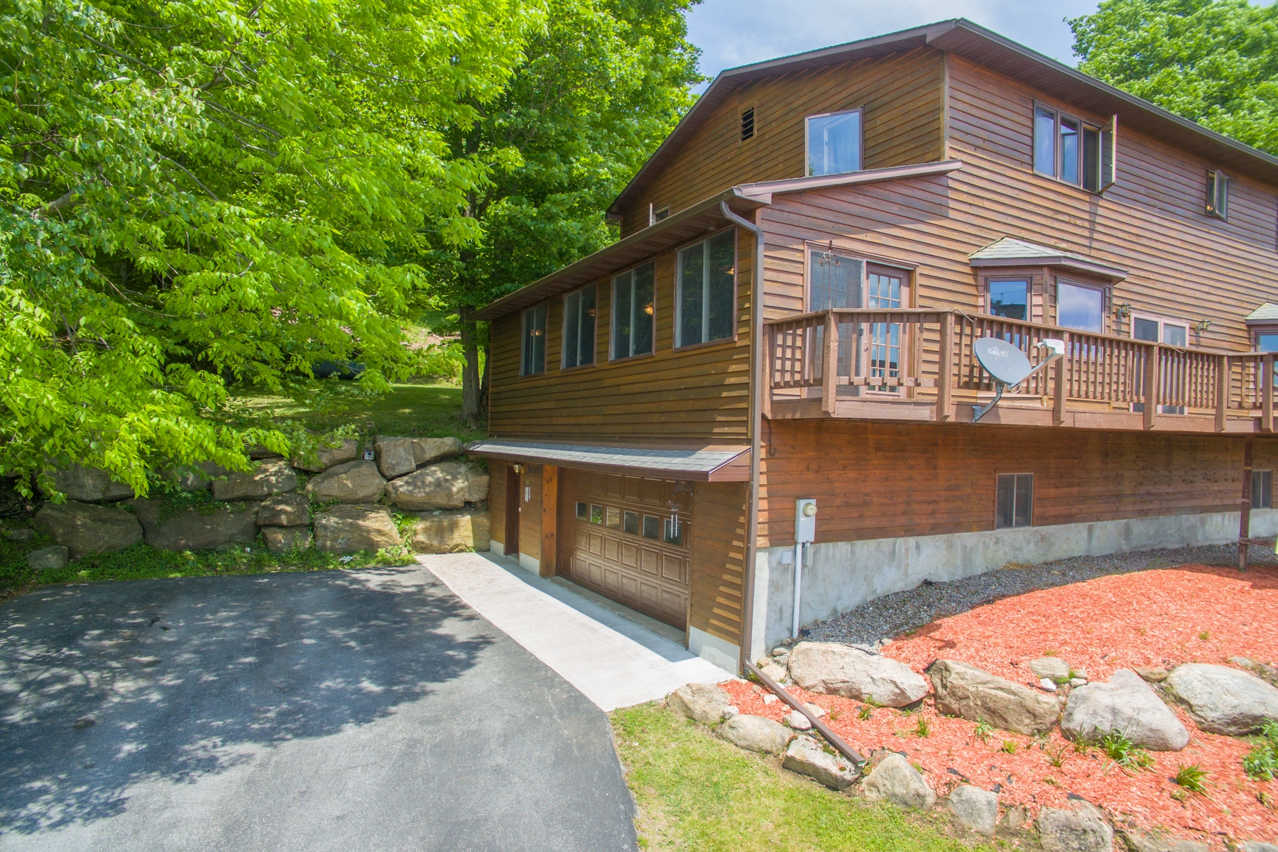 Additional photo for property listing at Colonial Overlooking the Lake 573  Hollywood Hills Old Forge, New York 13420 United States