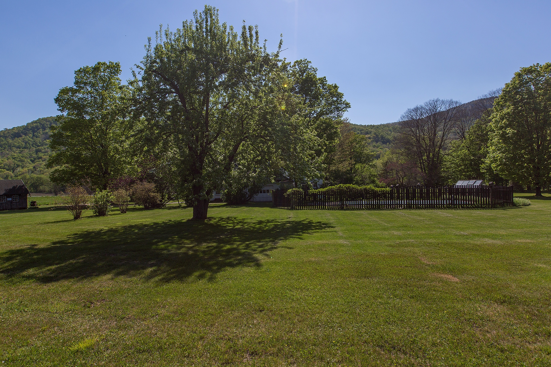 Additional photo for property listing at Hollow Haven 17544  State Route 22 Berlin, 紐約州 12022 美國
