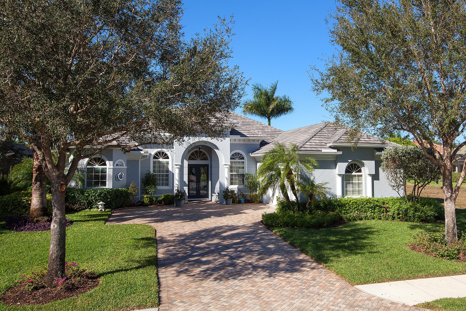 Tek Ailelik Ev için Satış at HORSE CREEK ESTATES 292 Saddlebrook Ln Naples, Florida, 34110 Amerika Birleşik Devletleri