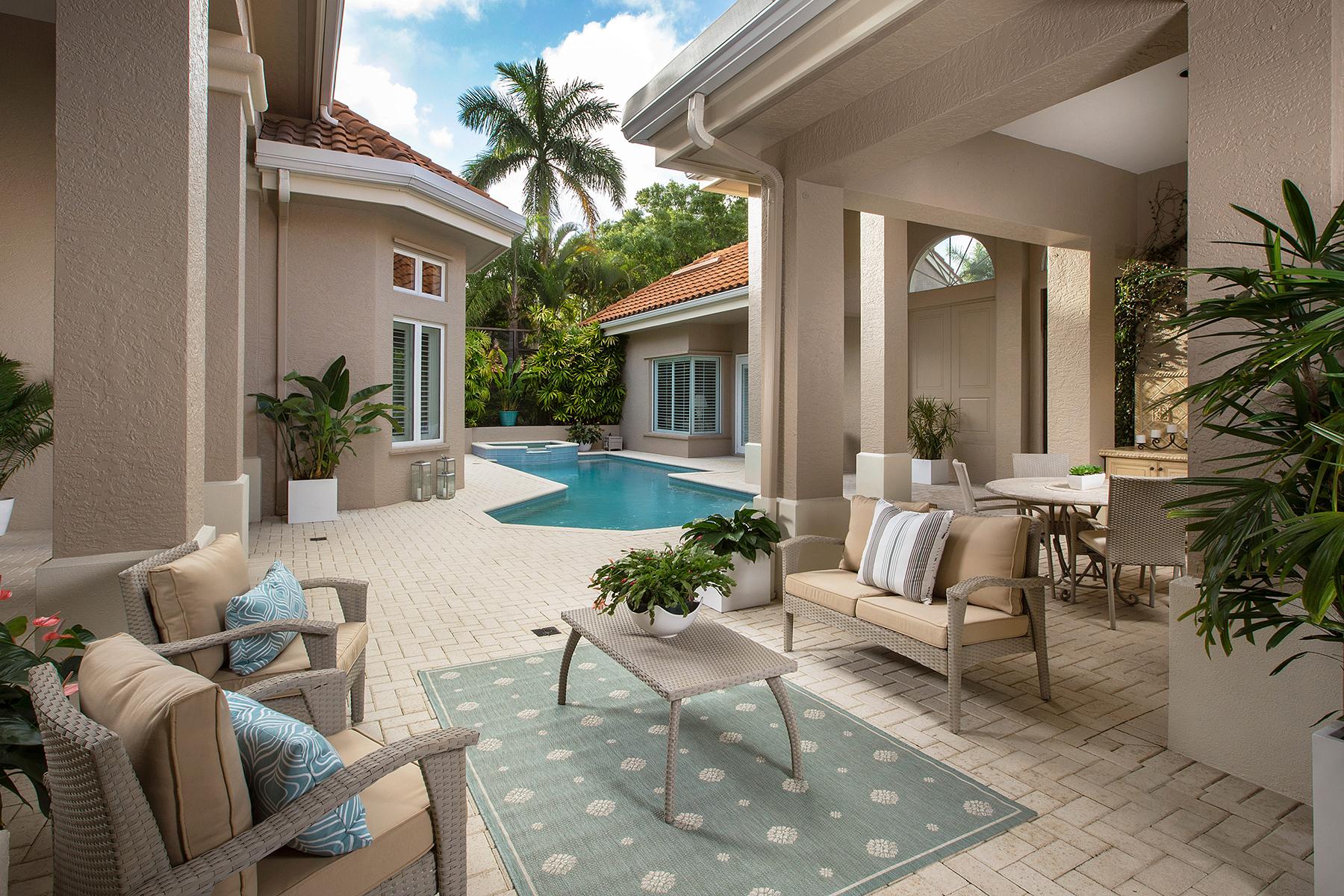 Casa Unifamiliar por un Venta en Naples 2080 Gordon Dr Naples, Florida, 34102 Estados Unidos
