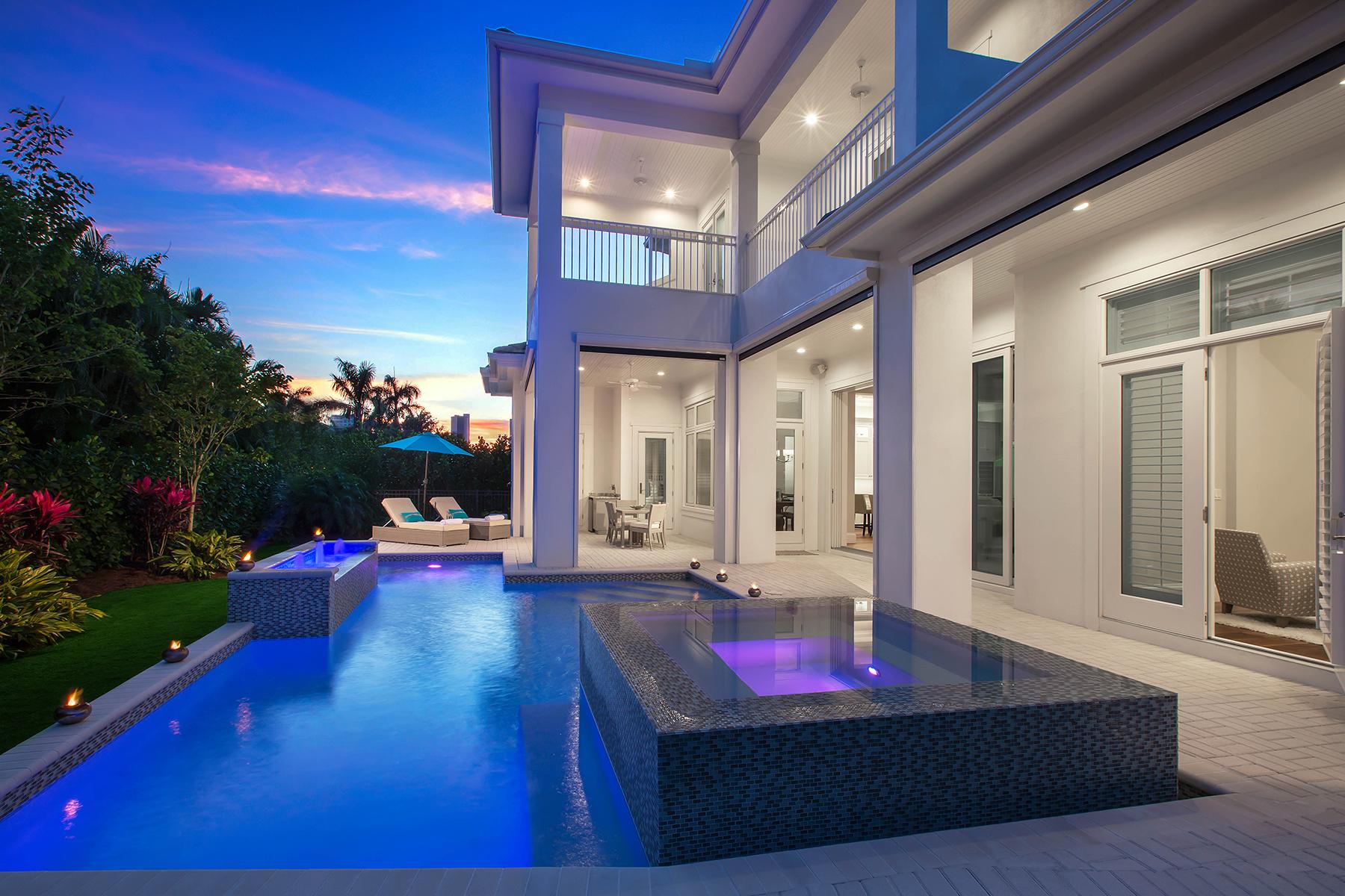 Single Family Home for Sale at Park Shore 498 Devils Ln, Naples, Florida 34103 United States
