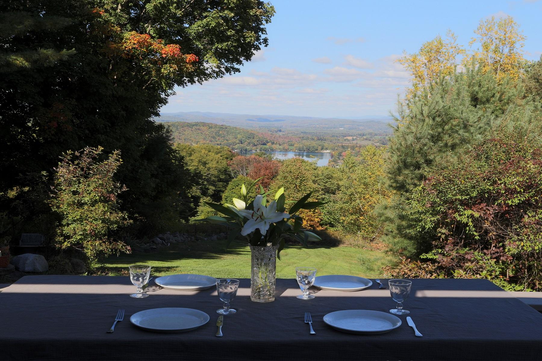 Частный односемейный дом для того Продажа на Unparalleled Views 65 Hedges Rd Cambridge, Нью-Йорк 12816 Соединенные Штаты