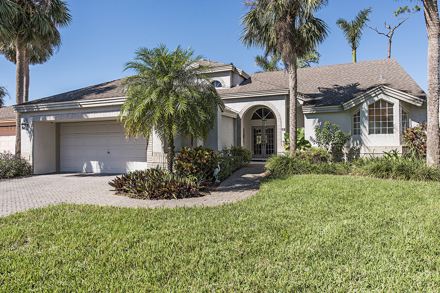 Single Family Home for Sale at EAGLE CREEK 15 Grey Wing Pt, Naples, Florida, 34113 United States