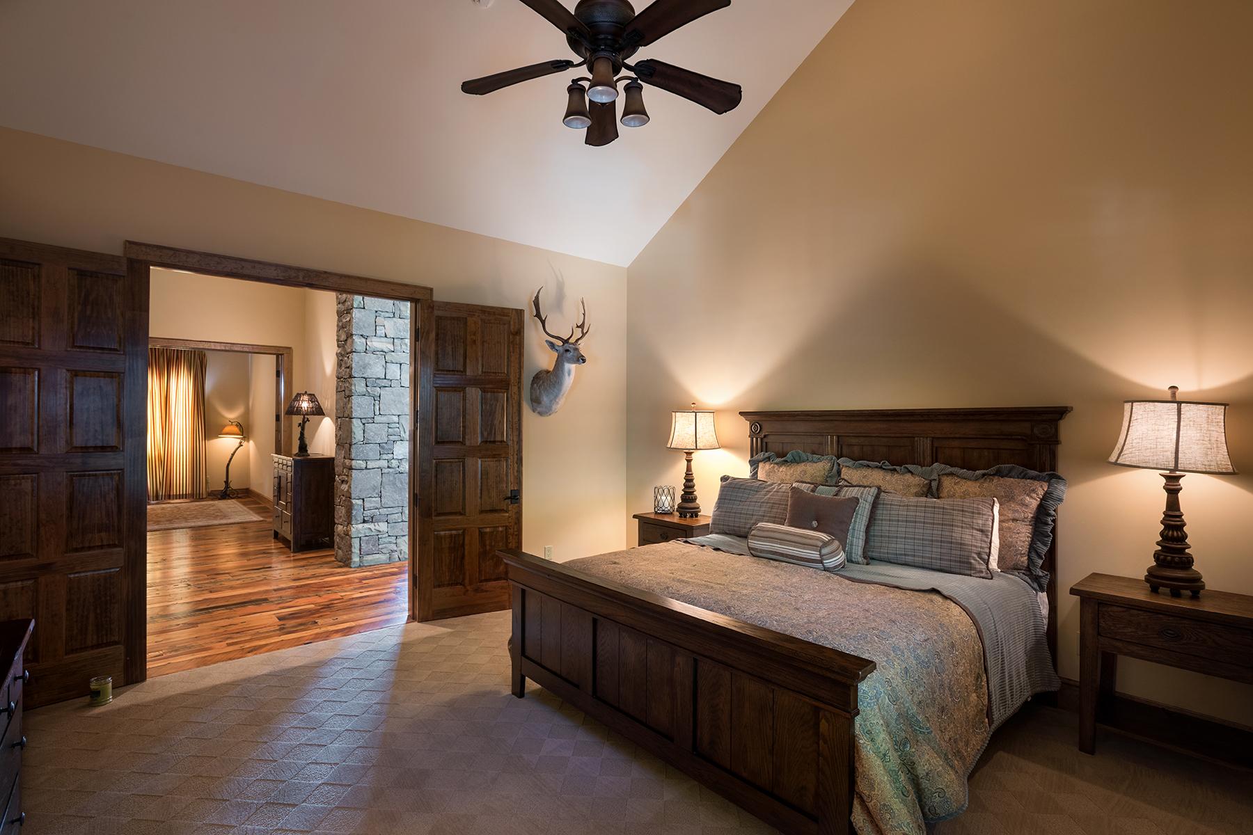 Additional photo for property listing at 1721 Forest Ridge Dr , Linville, NC 28646 1721  Forest Ridge Dr,  Linville, North Carolina 28646 United States