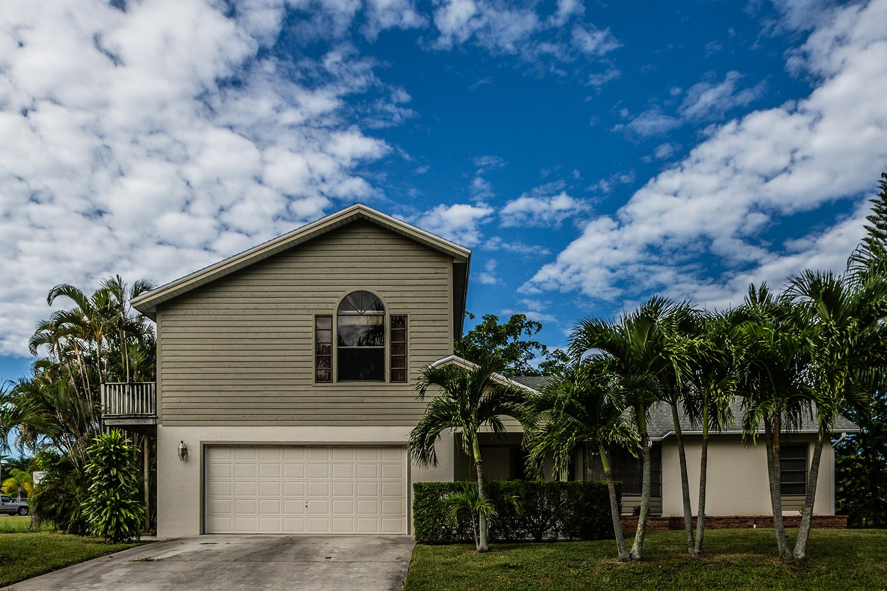Casa Unifamiliar por un Venta en MARCO ISLAND - COVEWOOD COURT 20 Covewood Ct Marco Island, Florida, 34145 Estados Unidos