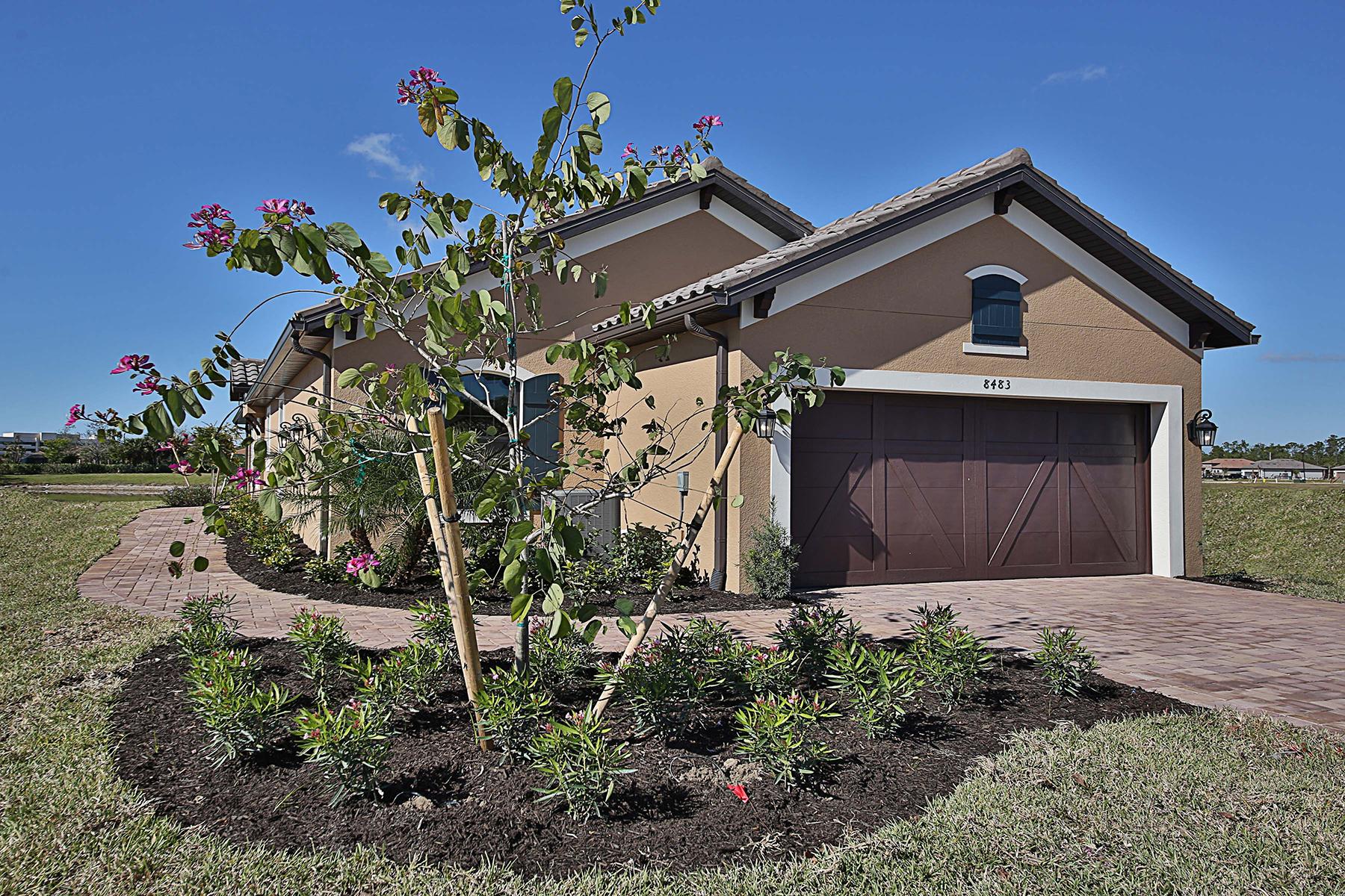 단독 가정 주택 용 매매 에 HACIENDA LAKES 8483 Volaro Way, Naples, 플로리다, 34114 미국
