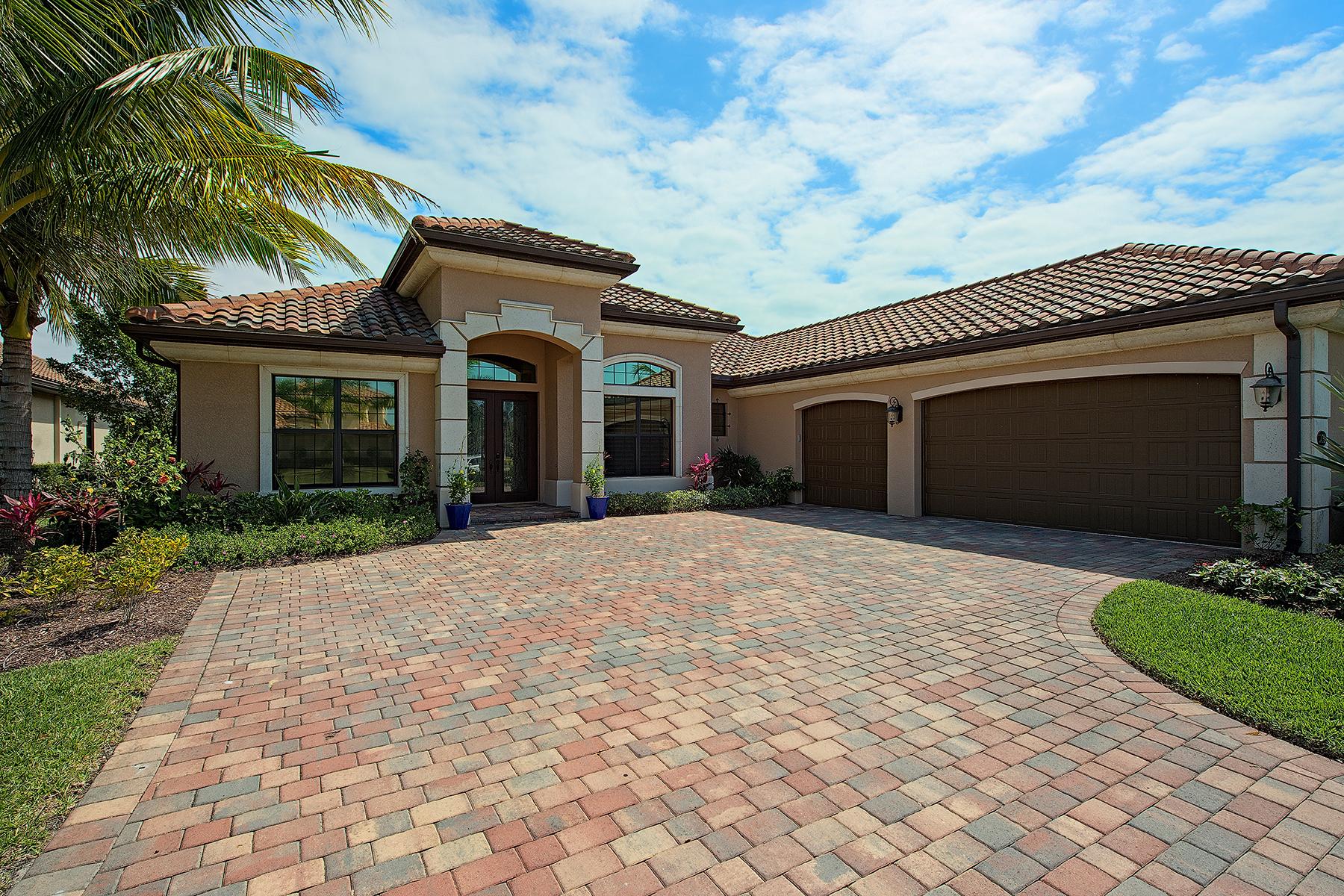 Casa para uma família para Venda às FIDDLERS CREEK 3418 Runaway Ct Naples, Florida, 34114 Estados Unidos