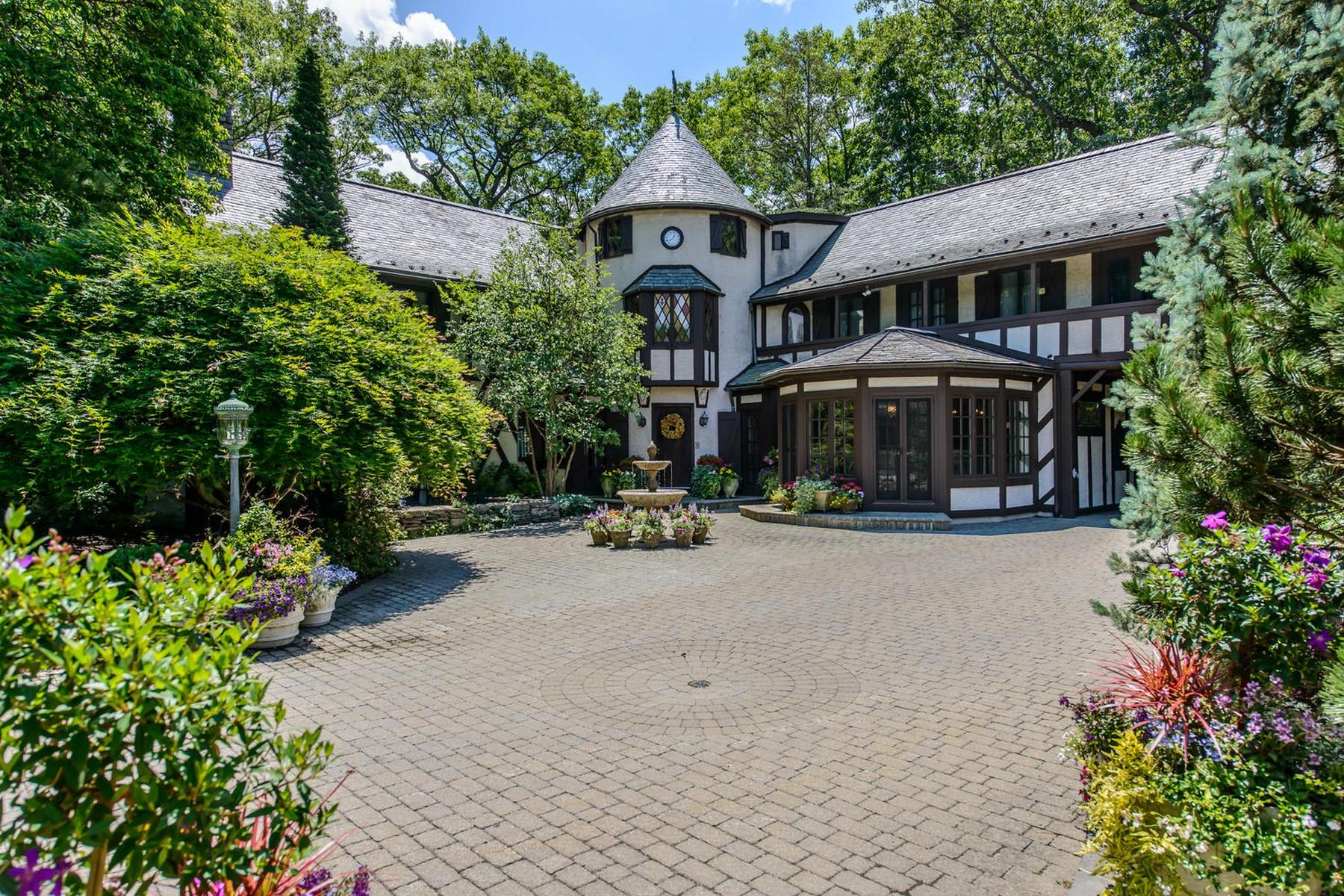 Einfamilienhaus für Verkauf beim 53 Mill River Rd 53 Mill River Rd Upper Brookville, New York 11771 Vereinigte Staaten