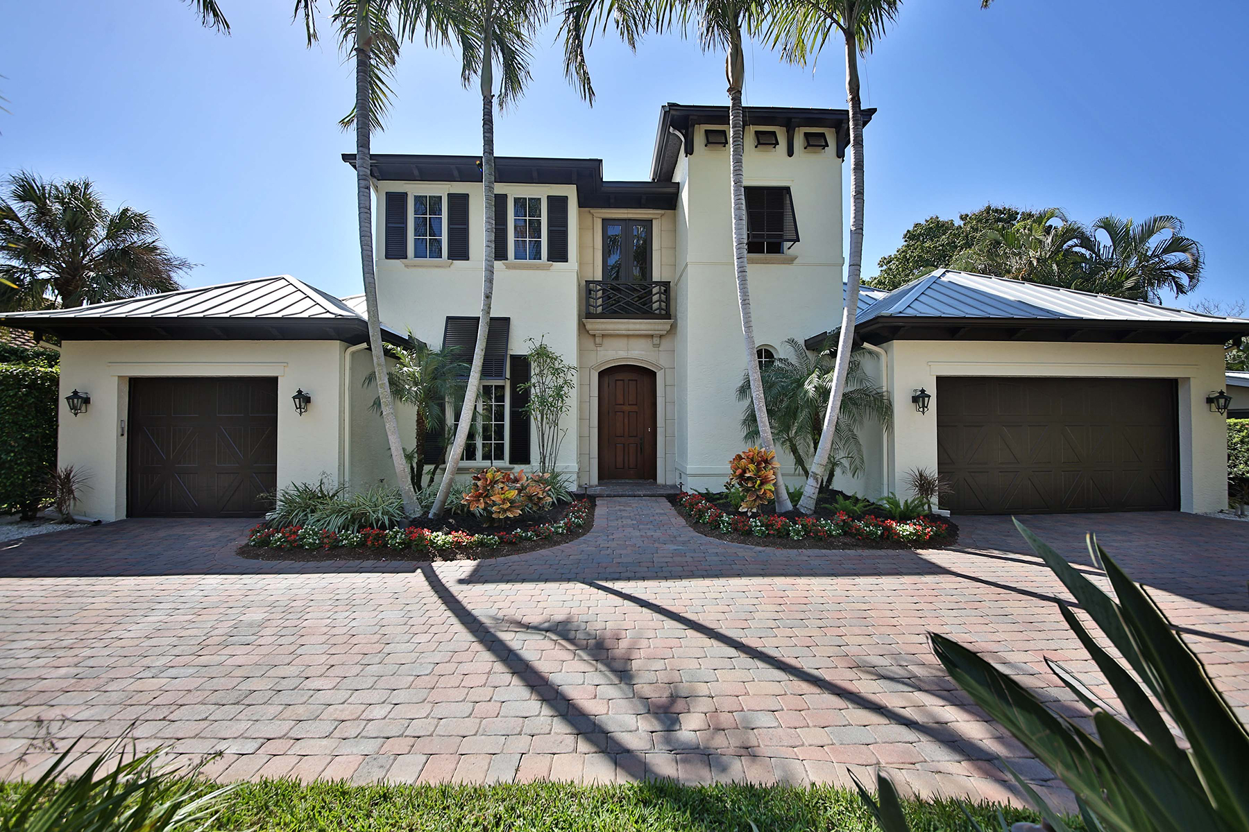 Single Family Home for Sale at OLDE NAPLES 596 6th Ave N, Naples, Florida 34102 United States