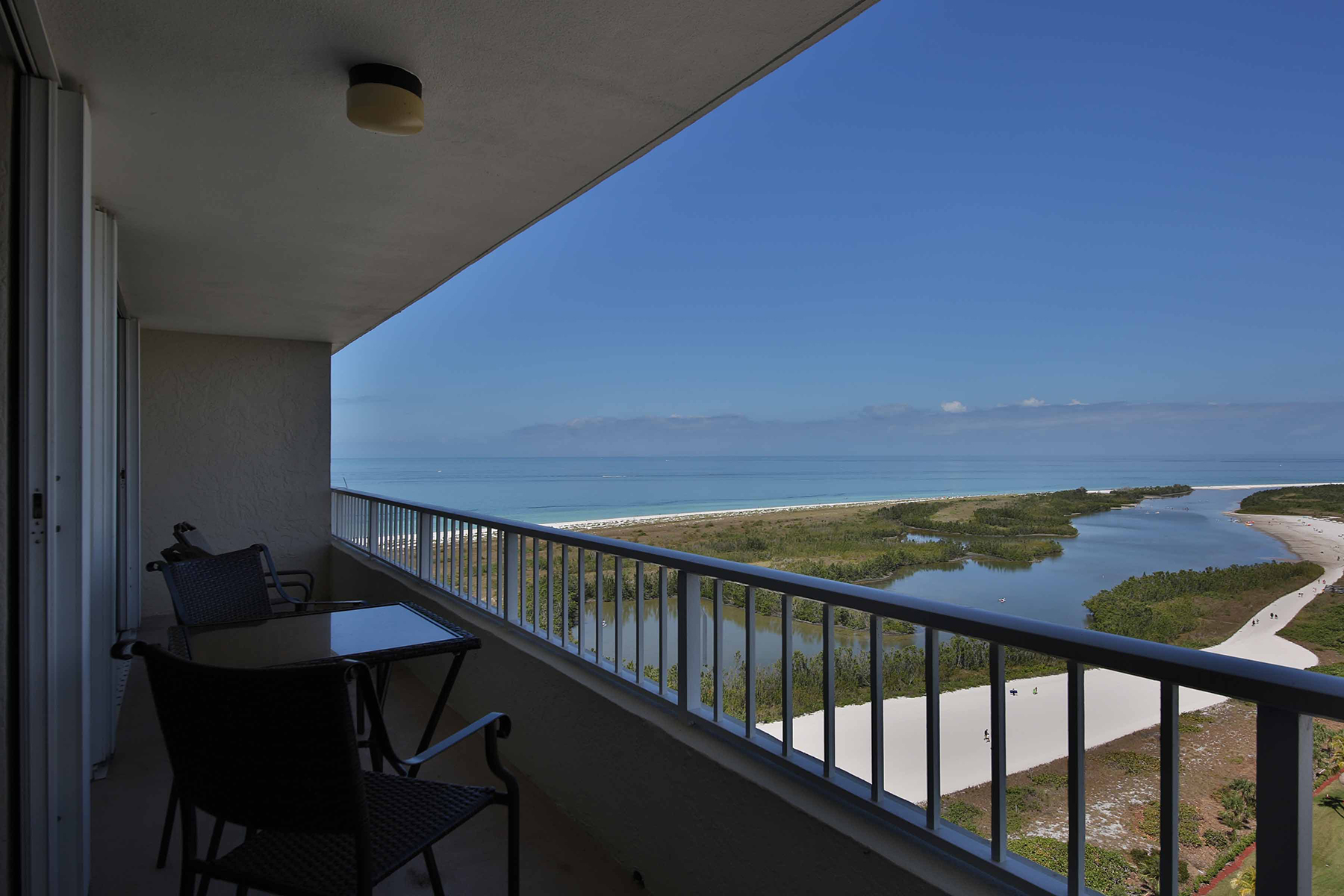 Condominium for Sale at MARCO ISLAND 320 Seaview Ct 2010, Marco Island, Florida 34145 United States