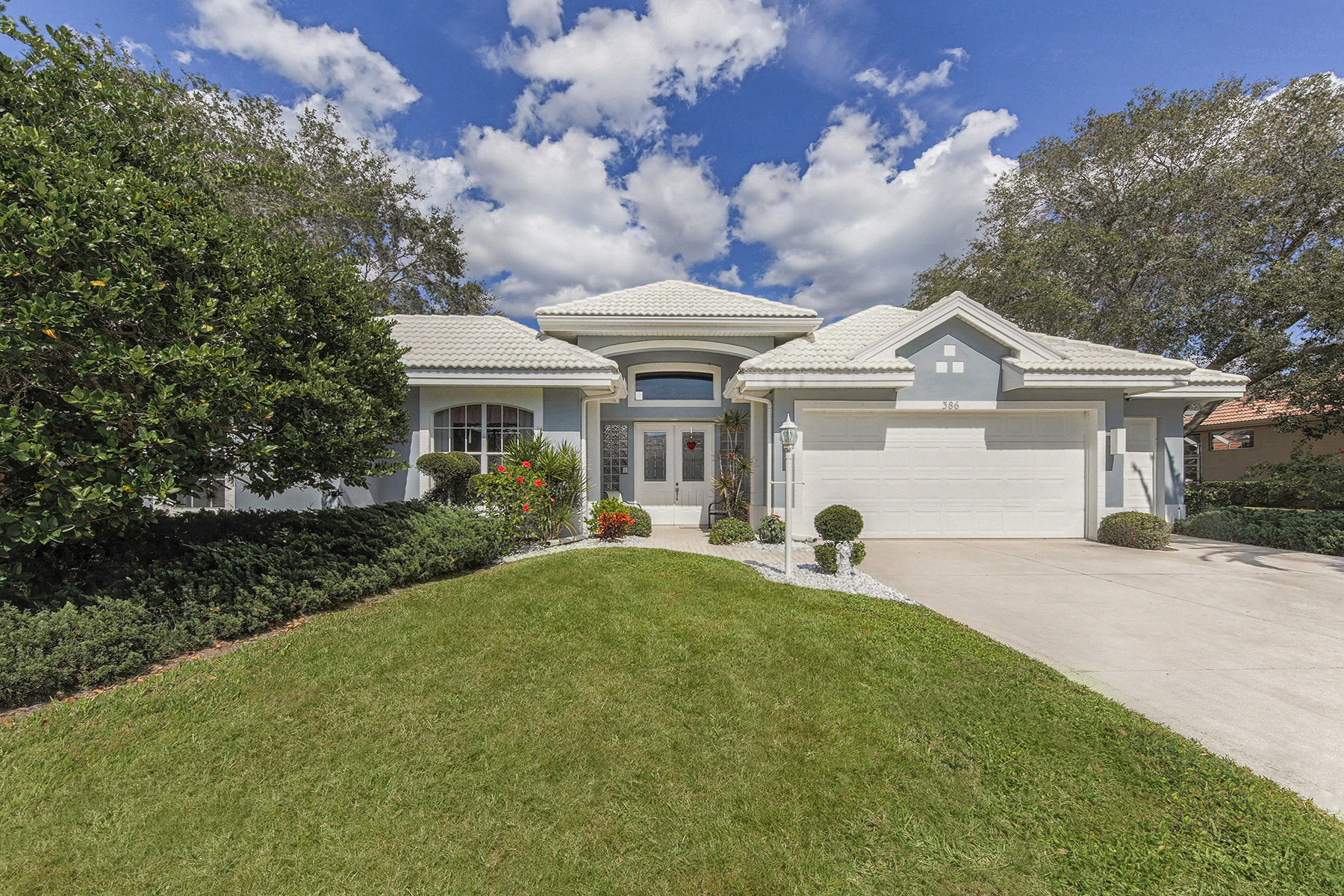 Single Family Home for Sale at VENICE GOLF & COUNTRY CLUB 386 Autumn Chase Dr Venice, Florida, 34292 United States