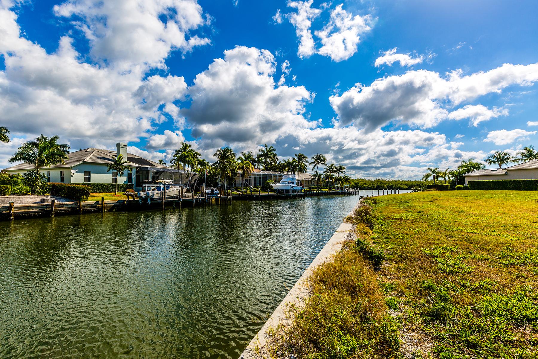 Земля для того Продажа на MARCO ISLAND - HOLLYHOCK COURT 131 Hollyhock Ct Marco Island, Флорида, 34145 Соединенные Штаты