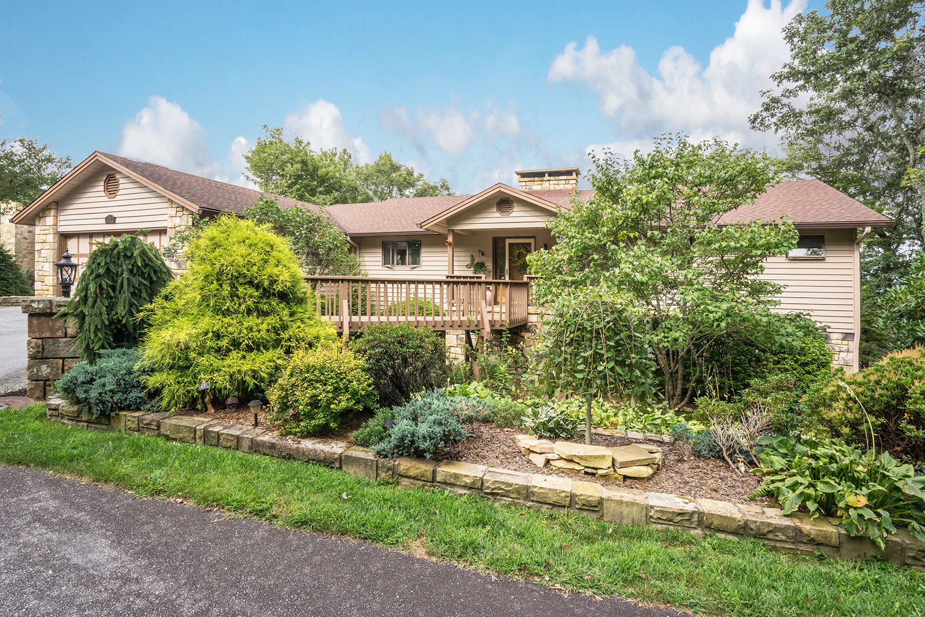 Single Family Home for Sale at Blowing Rock 156 Misty Ridge Ln, Blowing Rock, North Carolina, 28605 United States