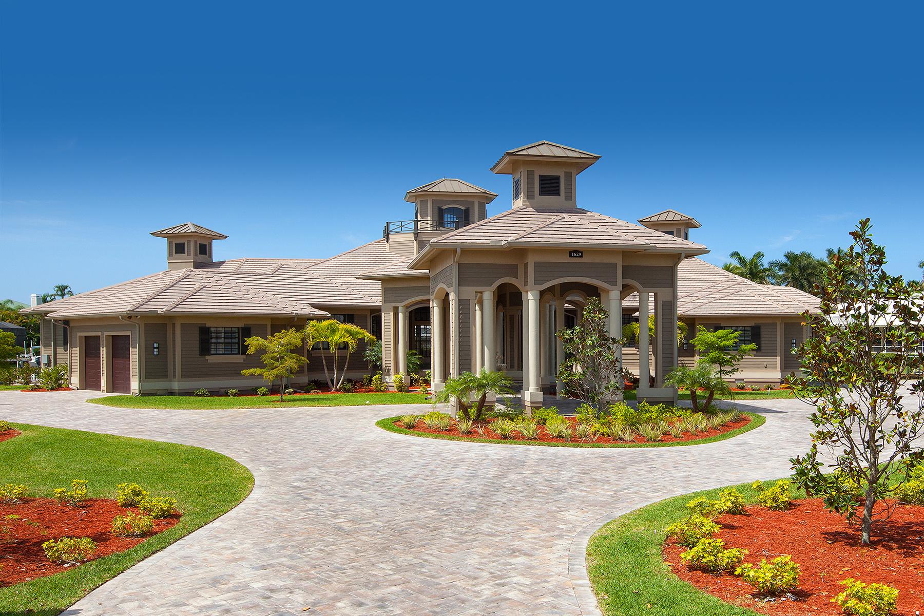 Частный односемейный дом для того Продажа на MARCO ISLAND 1629 Mcilvaine Ct Marco Island, Флорида, 34145 Соединенные Штаты