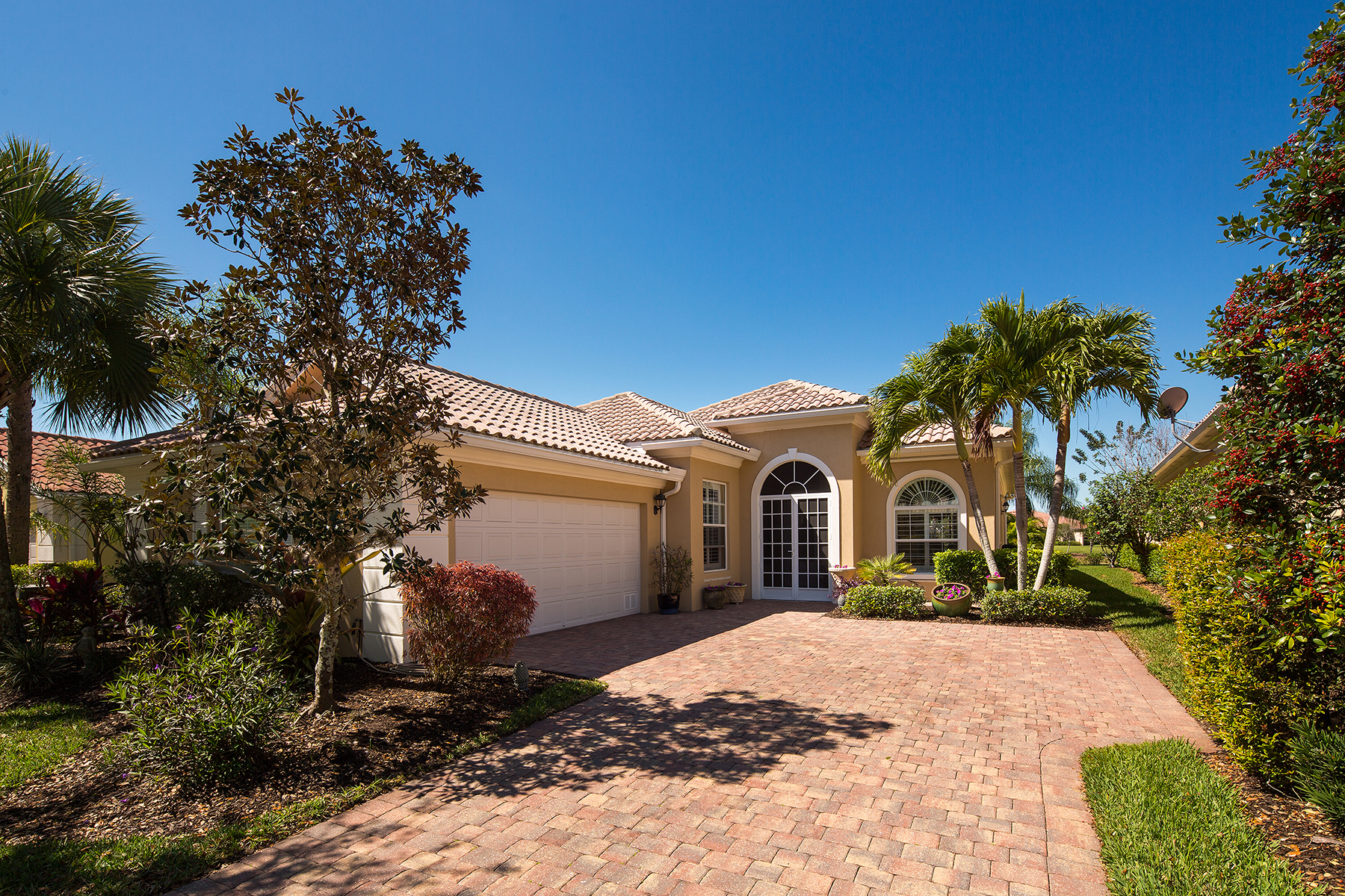 Single Family Home for Sale at VILLAGE WALK OF BONITA SPRINGS 28628 Wahoo Dr, Bonita Springs, Florida 34135 United States
