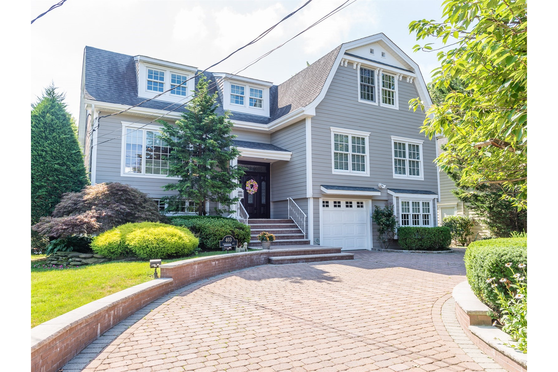 Single Family Home for Sale at 403 Hempstead Ave 403 Hempstead Ave Rockville Centre, New York 11570 United States