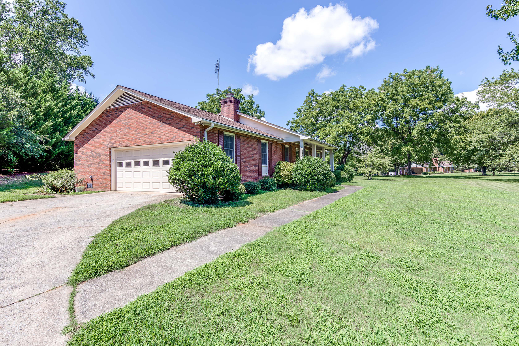 Single Family Home for Sale at RUTHERFORDTON 696 New Hope Rd, Rutherfordton, North Carolina 28139 United States
