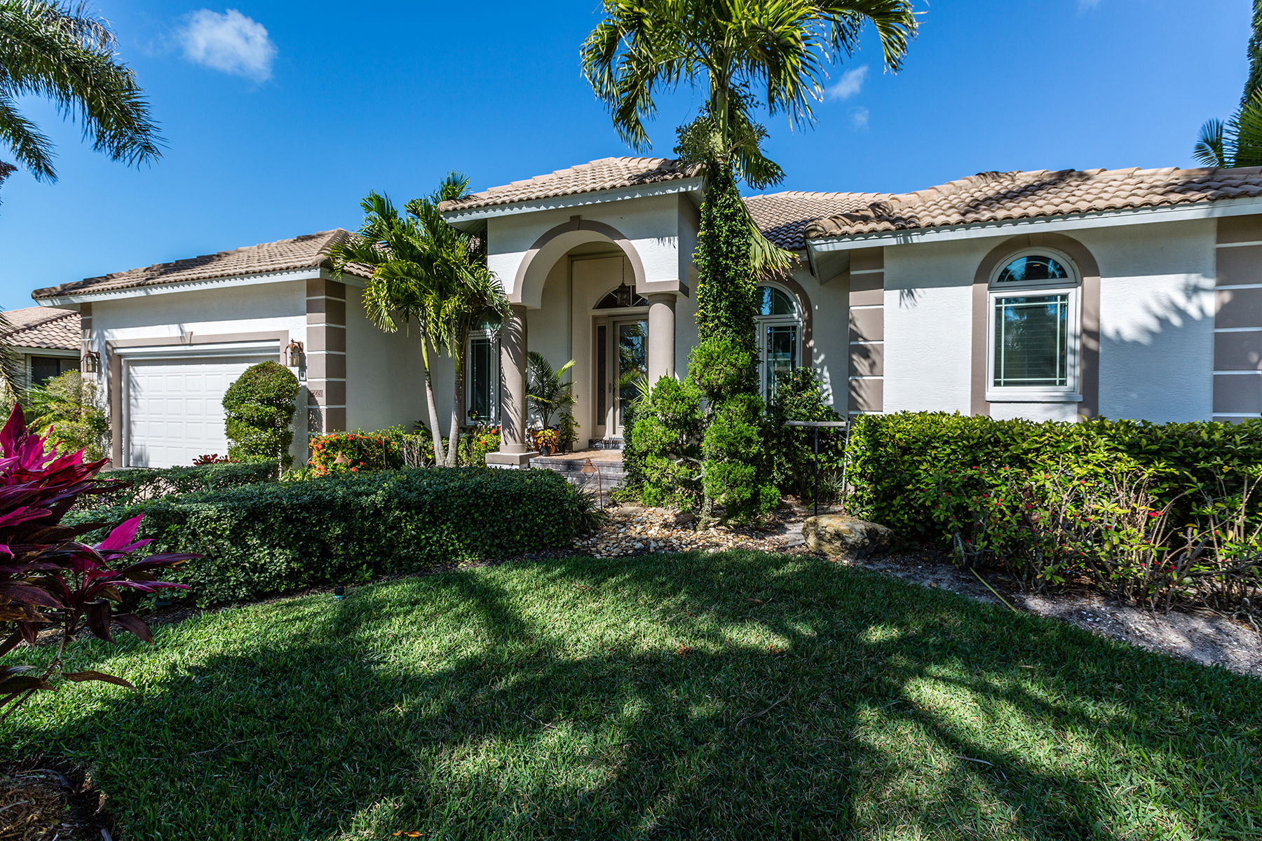 Single Family Home for Sale at MARCO ISLAND 1660 Galleon Ct, Marco Island, Florida 34145 United States