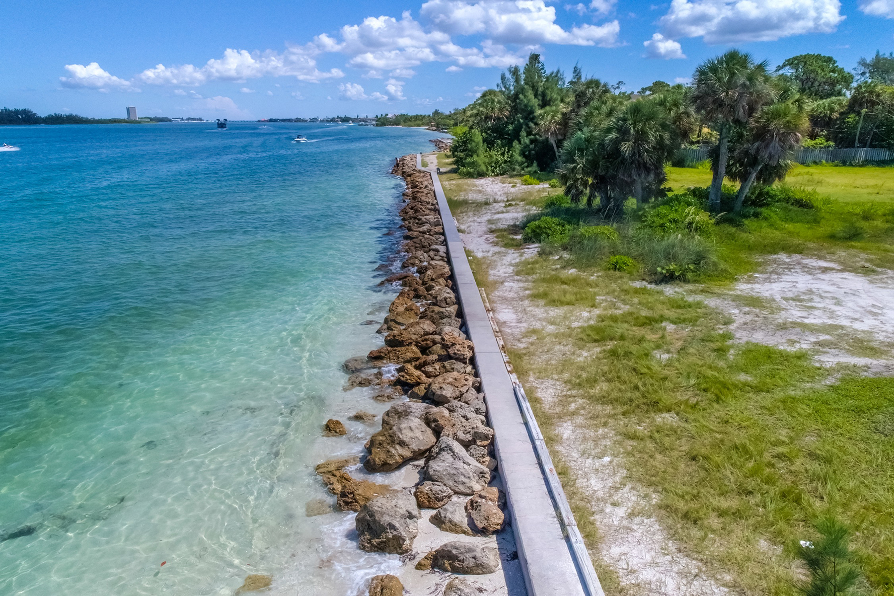 Additional photo for property listing at SIESTA KEY 4137  Higel Ave 27,28,  Sarasota, Florida 34242 United States