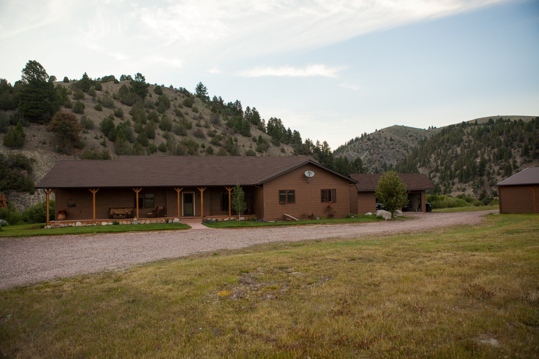 Additional photo for property listing at 29 Buckskin Lane, Philipsburg, MT 59858 29  Buckskin Ln Philipsburg, Montana 59858 United States