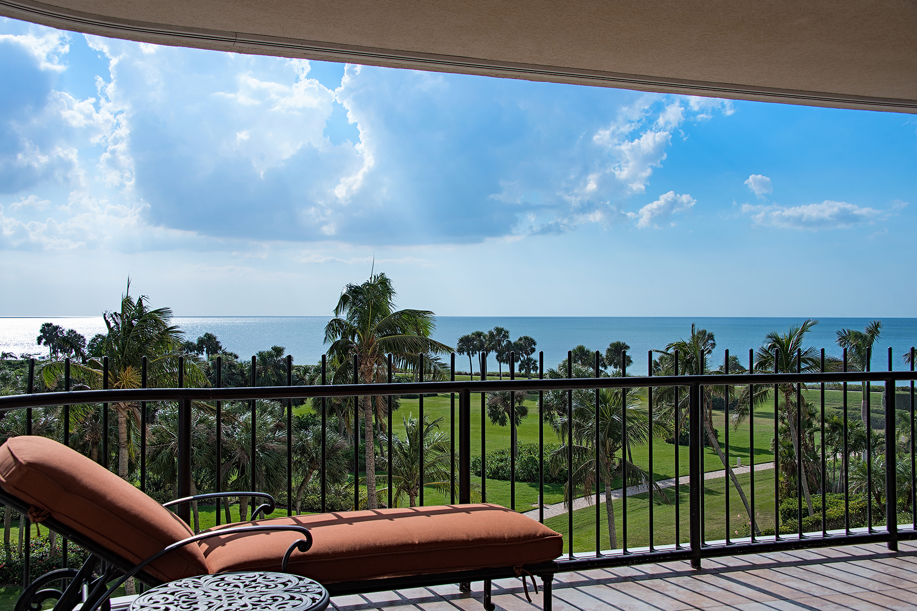 Condominium for Sale at PARK SHORE - PARK SHORE TOWER 4251 Gulf Shore Blvd N 5C, Naples, Florida 34103 United States