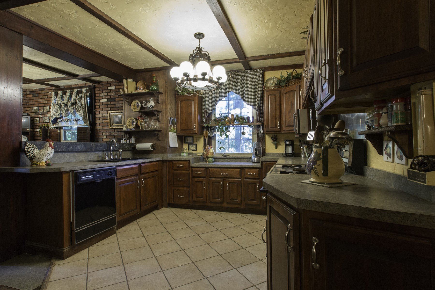 Additional photo for property listing at Beautiful Manor Home 295  Fiery Hill Rd Fort Plain, Nueva York 13339 Estados Unidos