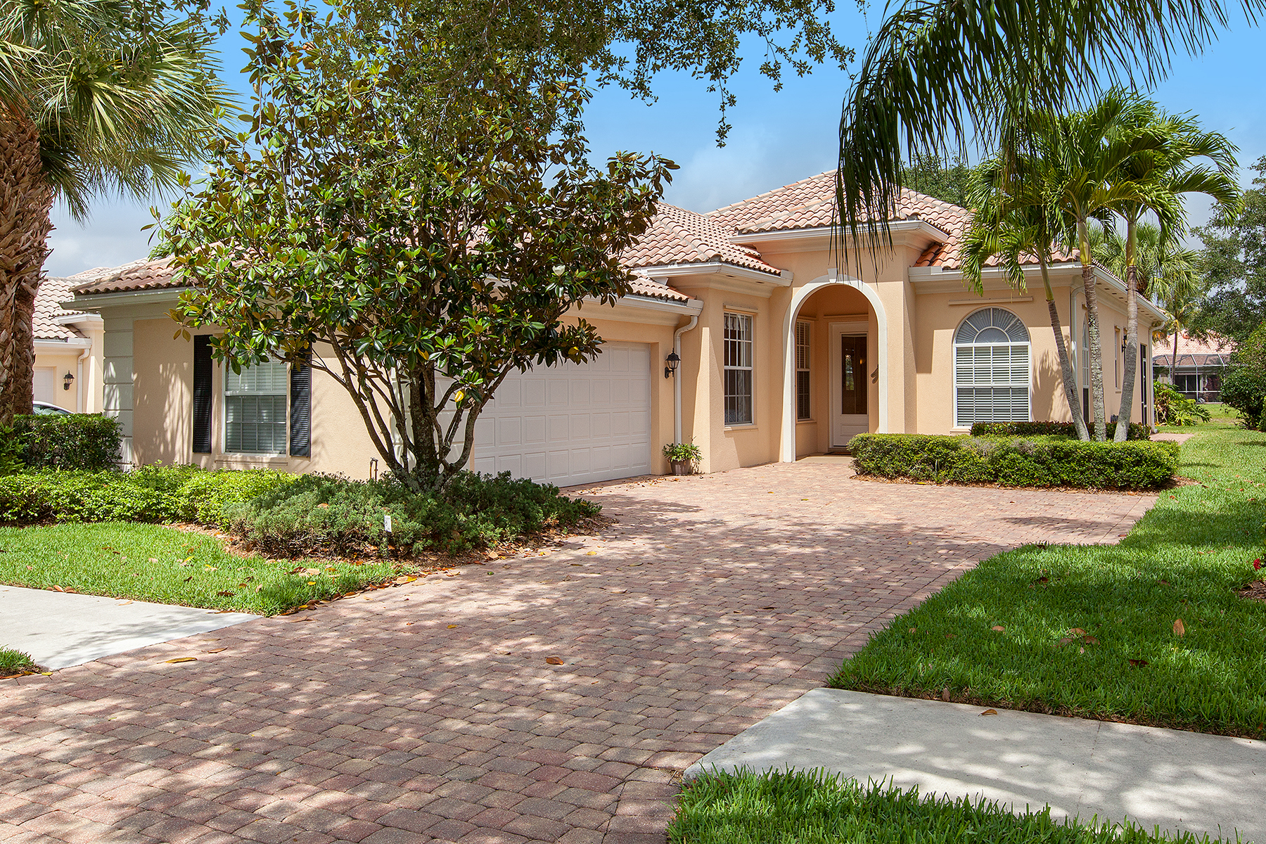 Single Family Home for Sale at Naples-Island Walk 2930 Gilford Way, Naples, Florida 34119 United States