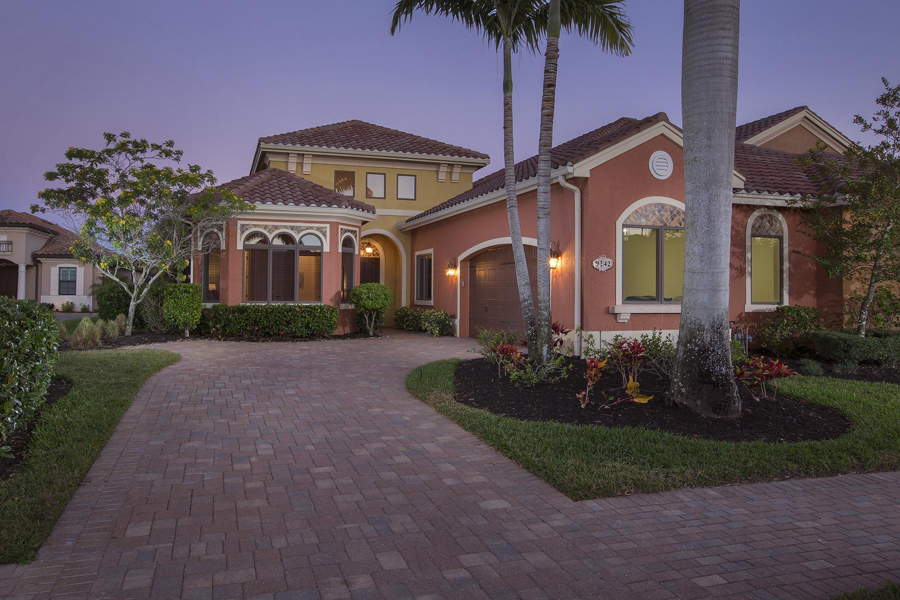 Maison unifamiliale pour l Vente à TREVISO BAY - VIA VENETO 9242 Veneto Pl Naples, Florida, 34113 États-Unis
