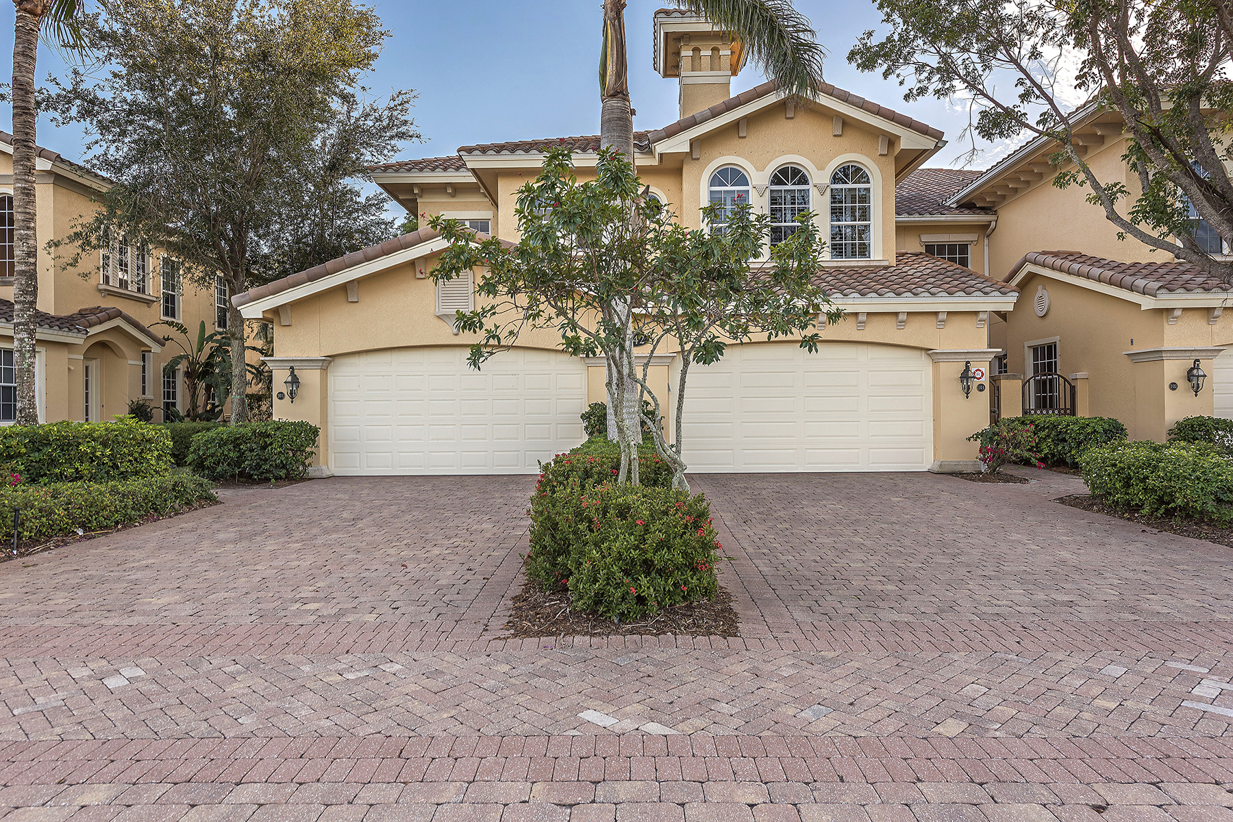 Кондоминиум для того Продажа на FIDDLERS CREEK 9154 Cherry Oaks Ln 202, Naples, Флорида, 34114 Соединенные Штаты