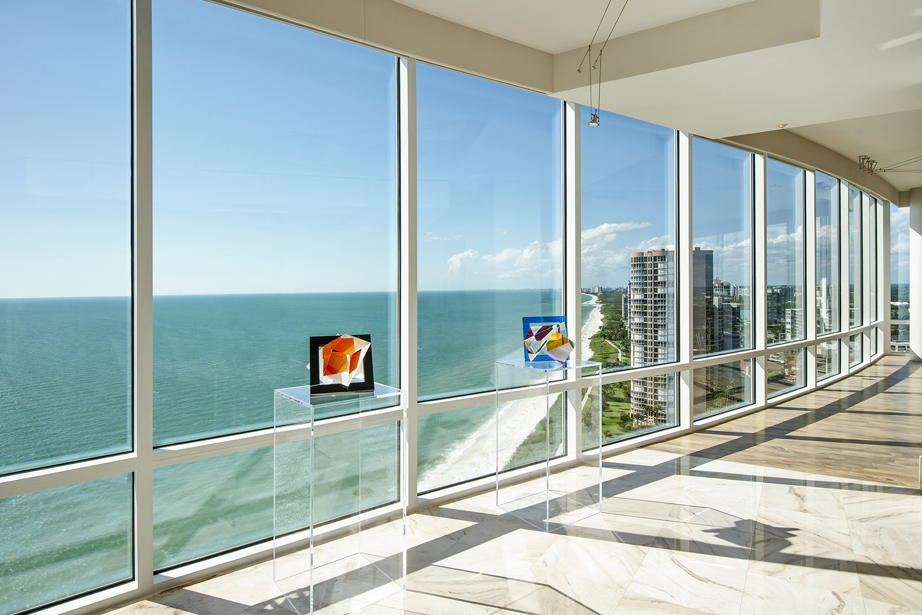 Condominio por un Venta en PARK SHORE - LE RIVAGE 4351 Gulf Shore Blvd N PH-5 Naples, Florida, 34103 Estados Unidos