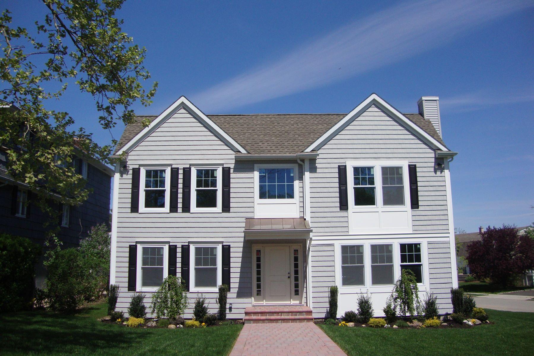 独户住宅 为 销售 在 19 Michael F St , Locust Valley, NY 11560 19 Michael F St, 卢卡斯特谷, 纽约州, 11560 美国