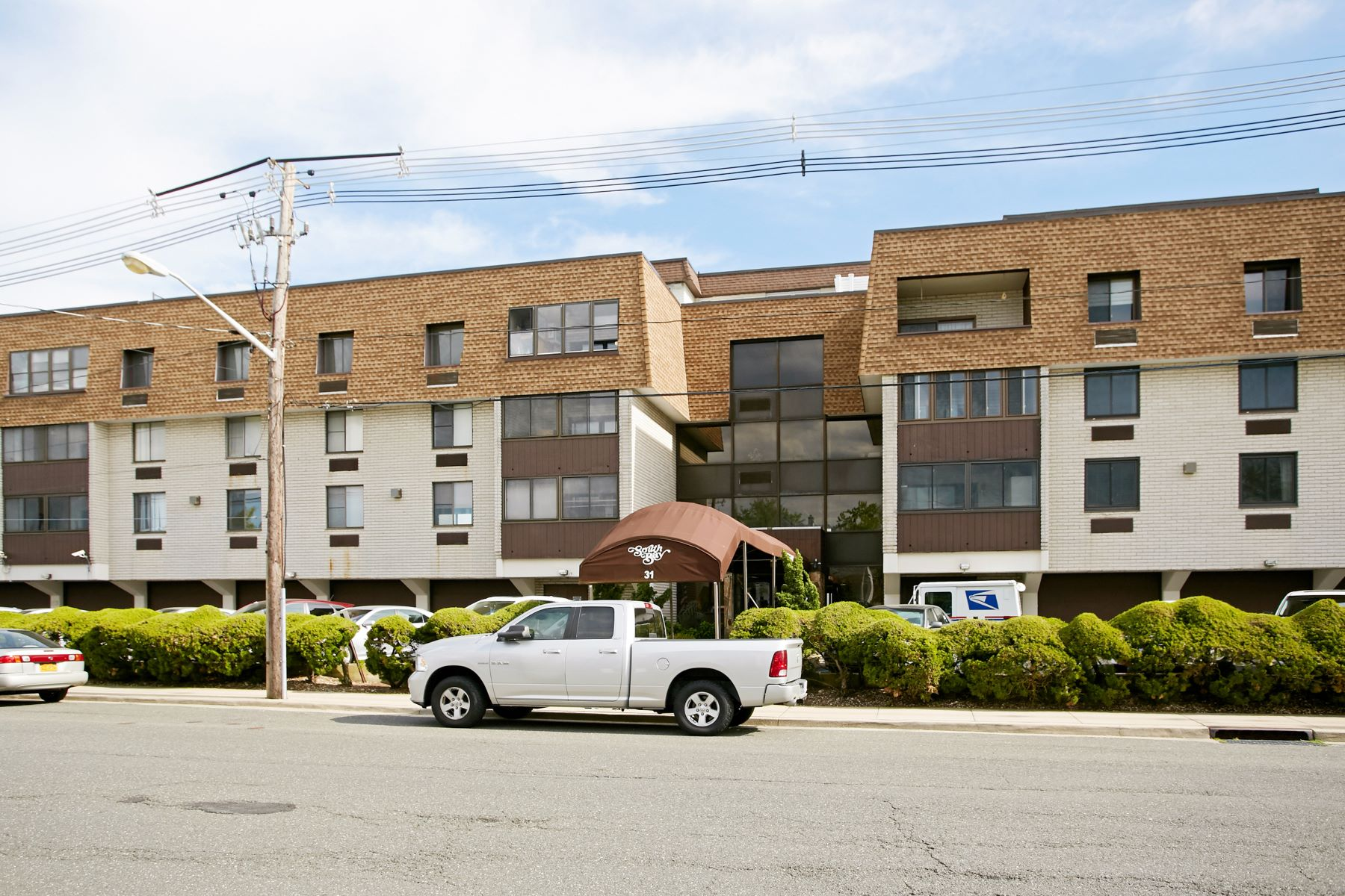 共管式独立产权公寓 为 销售 在 31 Casino St 31 Casino St 2D 弗里波特, 纽约州 11520 美国