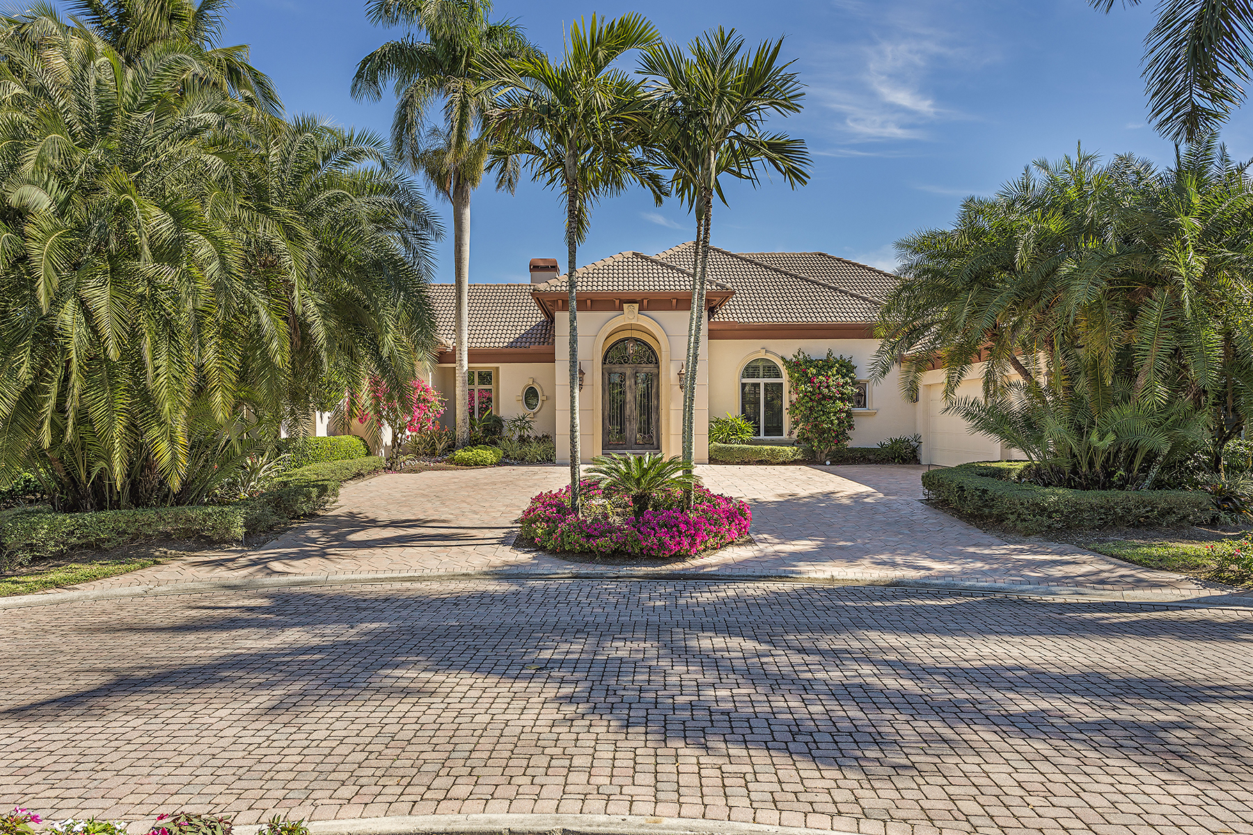 Single Family Home for Sale at Naples 1932 Cocoplum Way Grey Oaks, Naples, Florida, 34105 United States