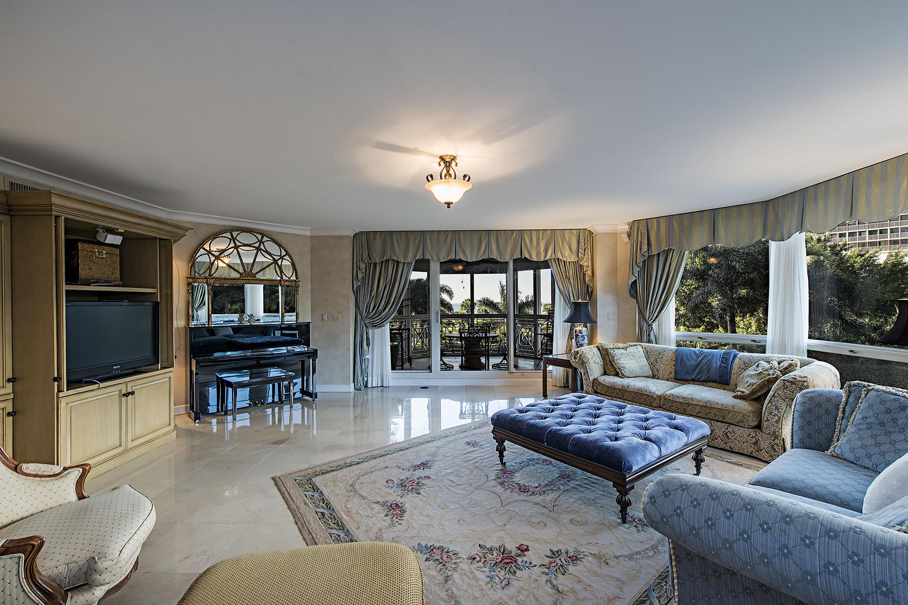 Nhà chung cư vì Bán tại PARK SHORE - BRITTANY 4021 Gulf Shore Blvd N 206 Naples, Florida, 34103 Hoa Kỳ